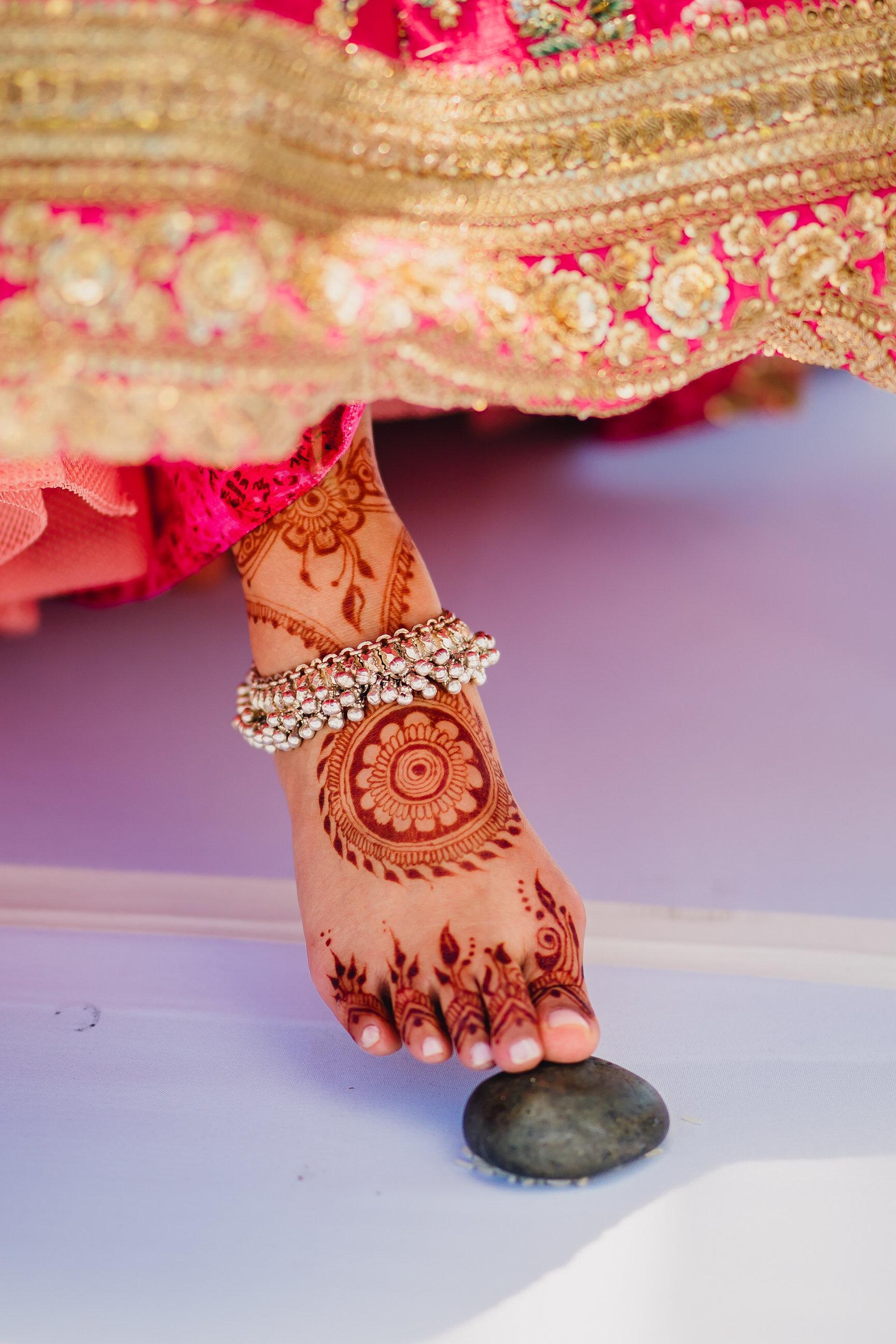 INDIAN WEDDING BRIDE WITH HENNA.JPG