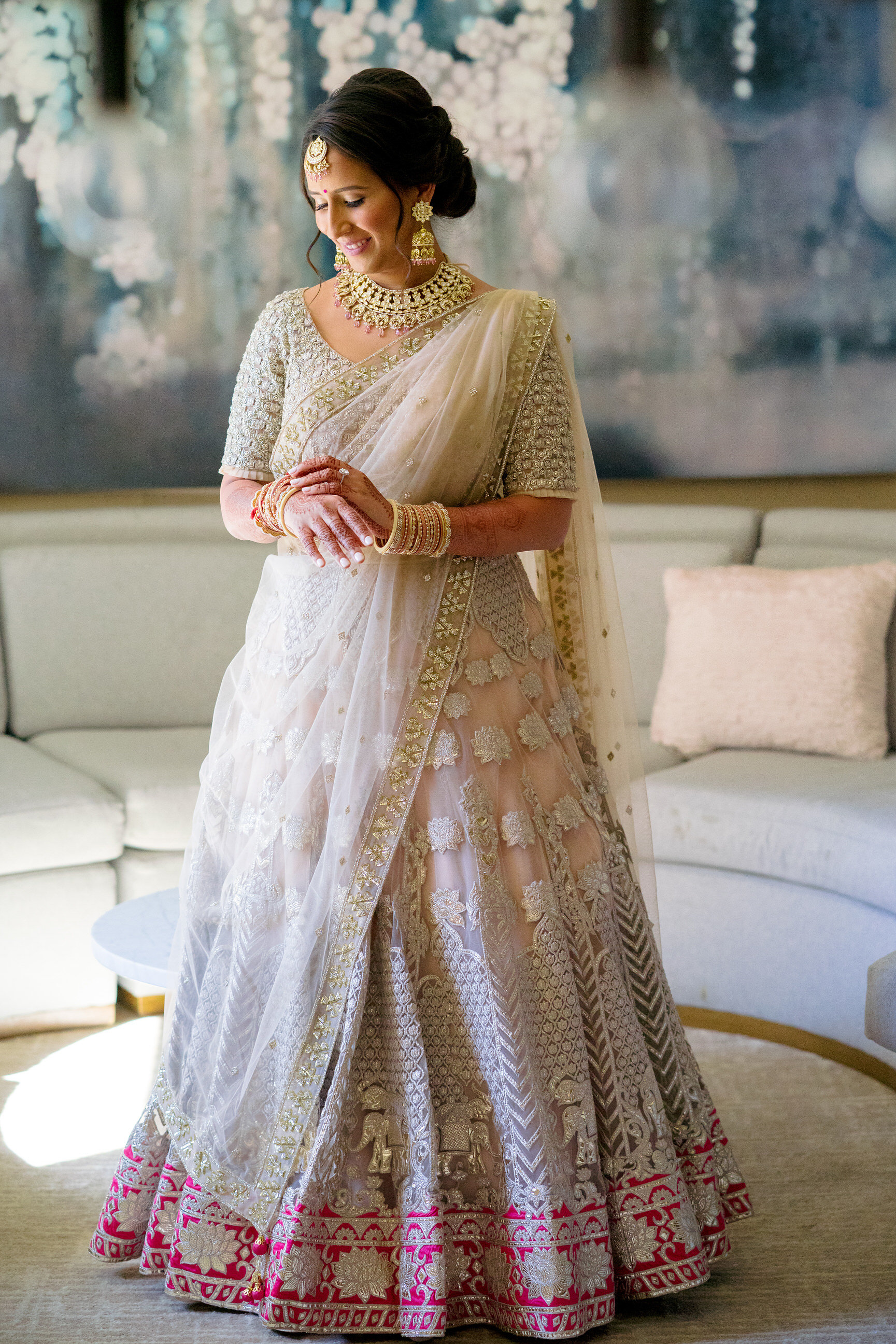 INDIAN WEDDING BRIDE IN WEDDING ATTIRE2.JPG