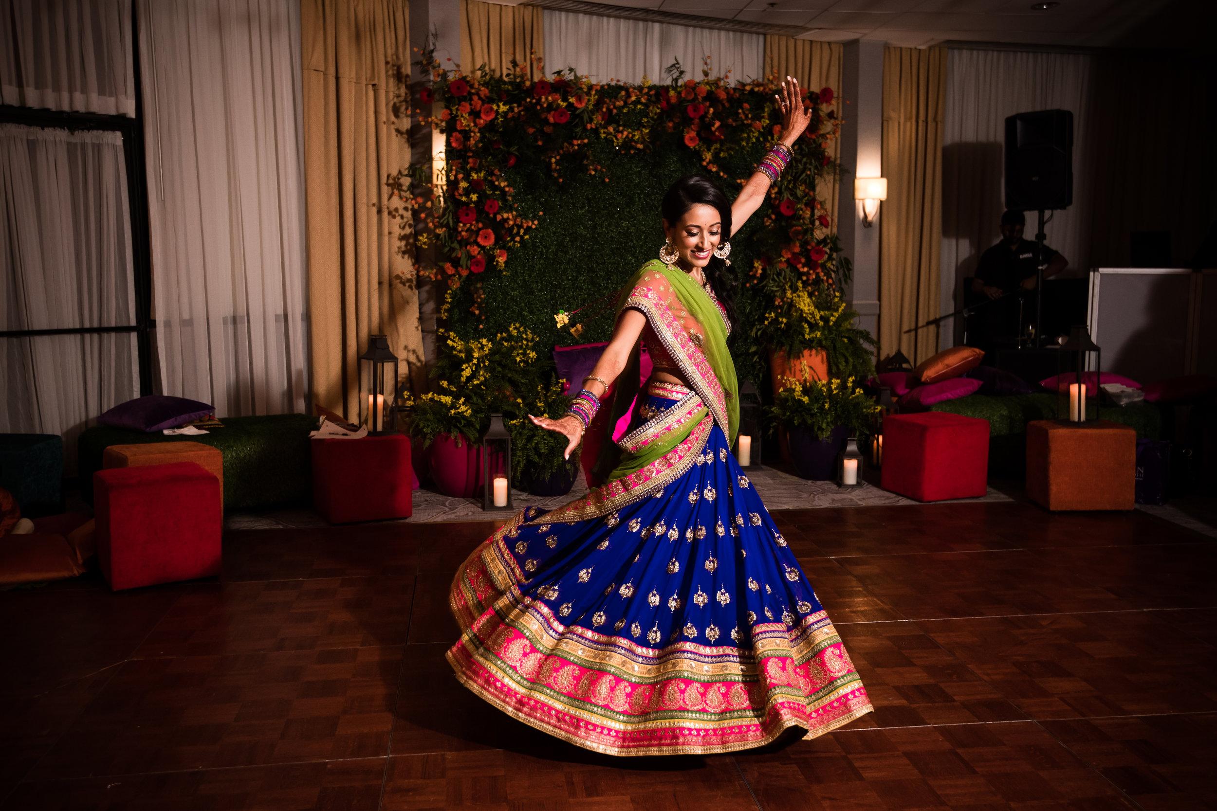 INDIAN WEDDING SANGEET BRIDE DANCING.jpg