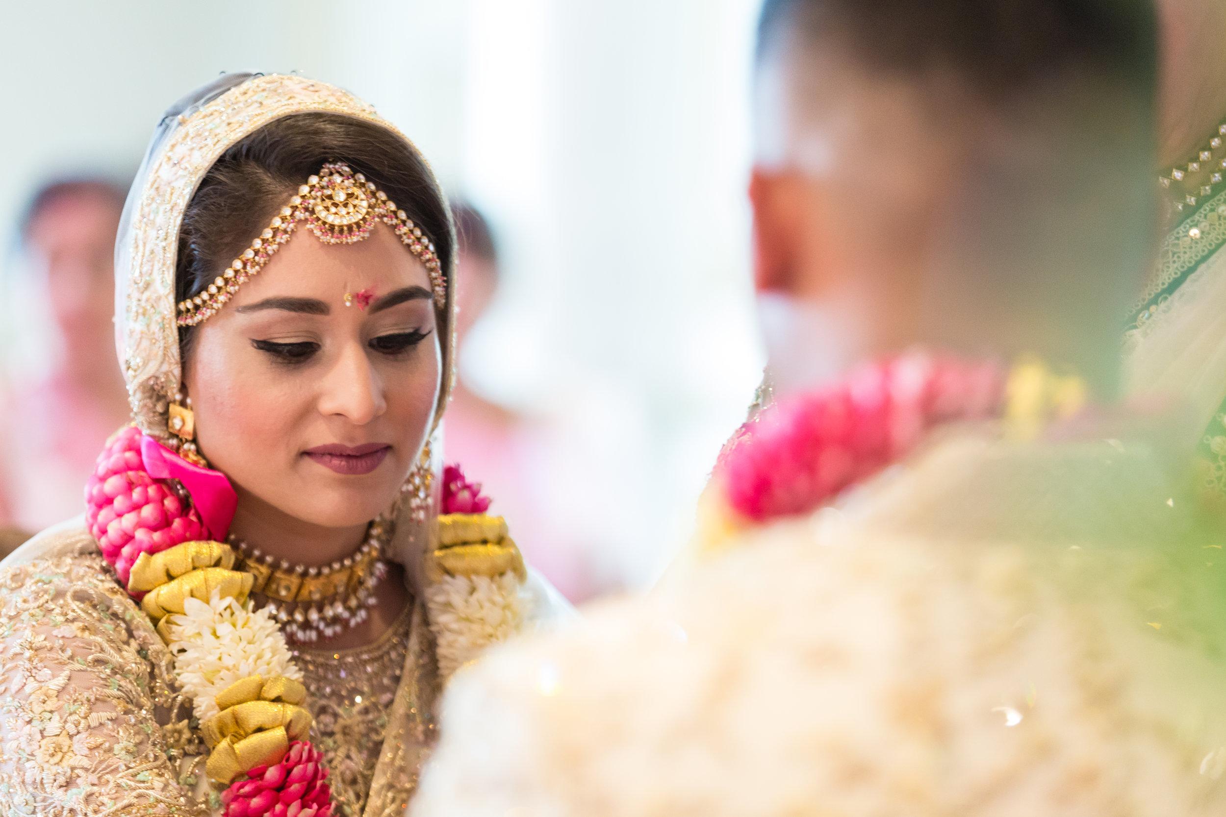 INDIAN WEDDING BRIDE AND GROOM CLOSEUP.jpg