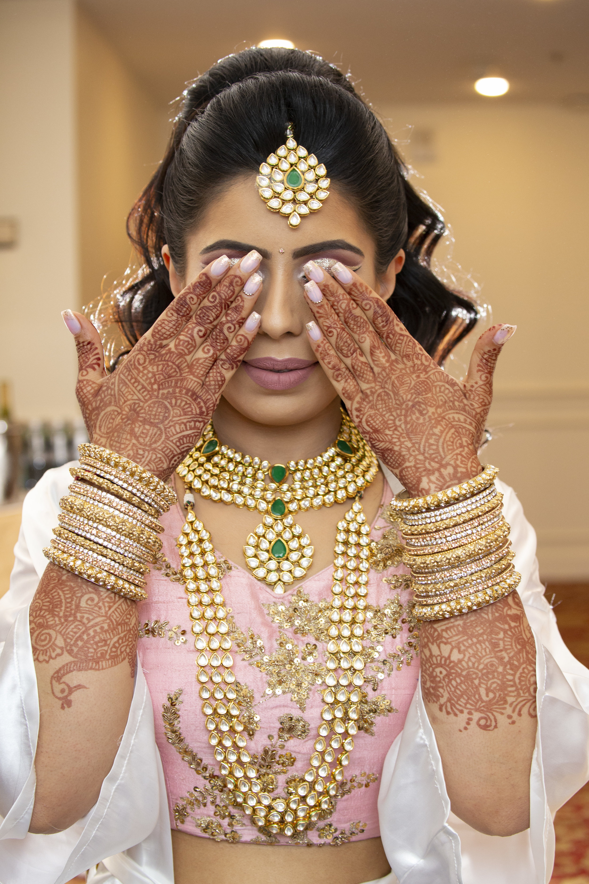 INDIAN WEDDING BRIDE GETTING READY.JPG