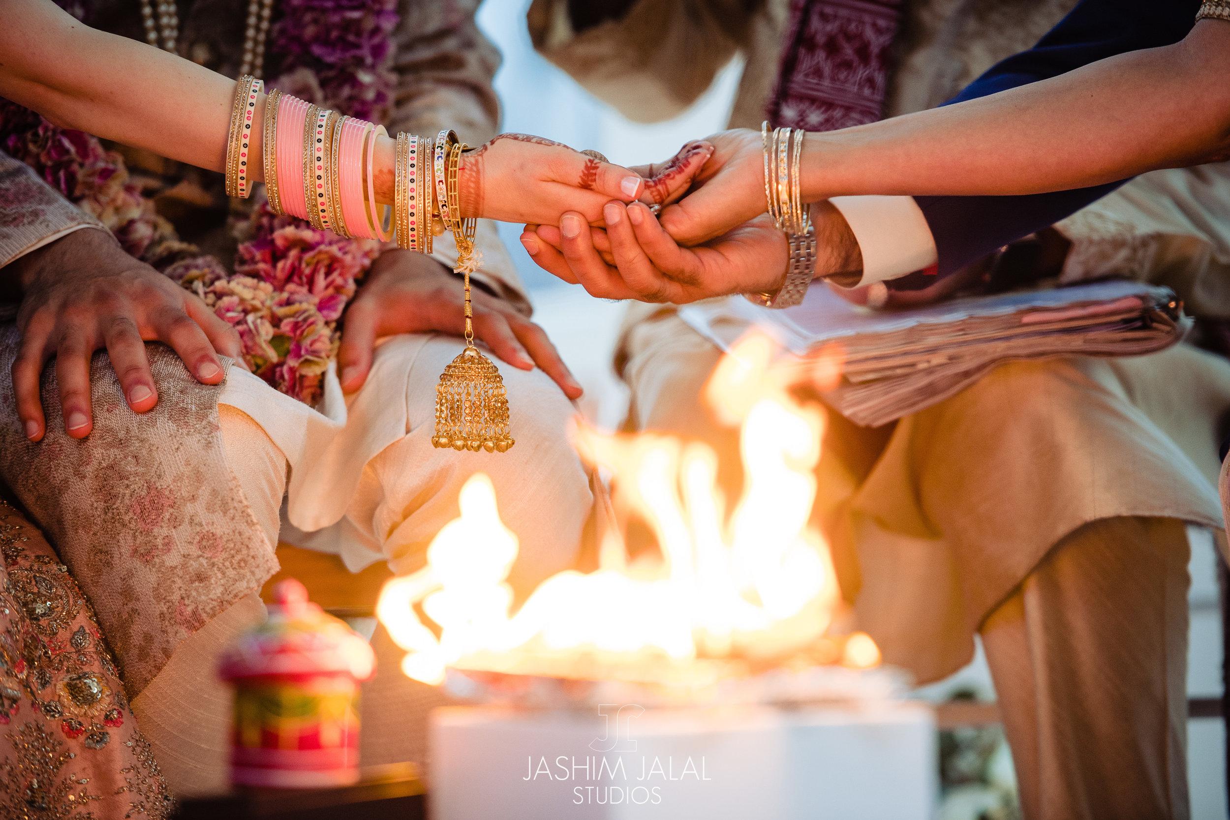 INDIAN WEDDING CEREMONY FIRE.jpg