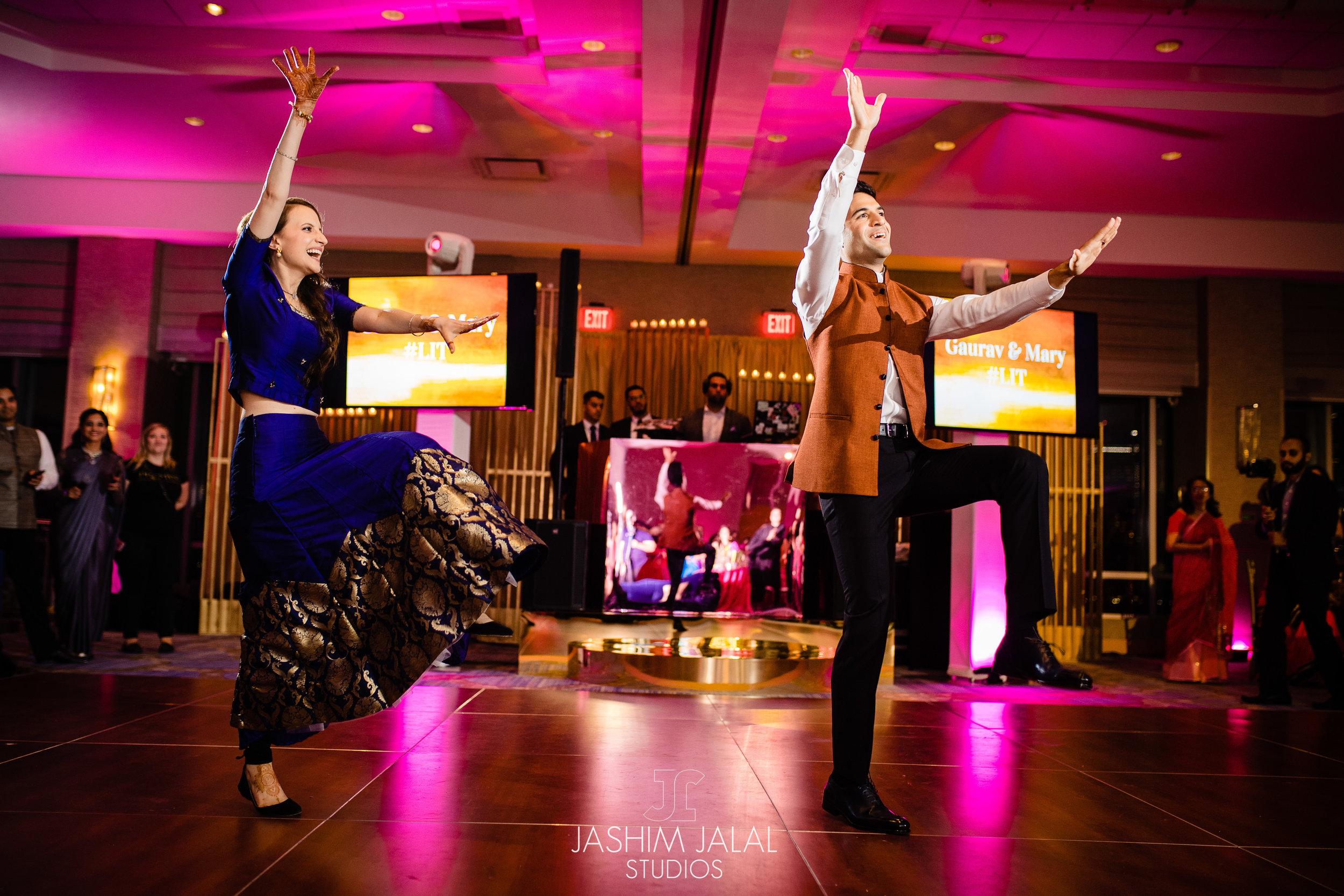INDIAN WEDDING SANGEET COUPLE DANCING.jpg