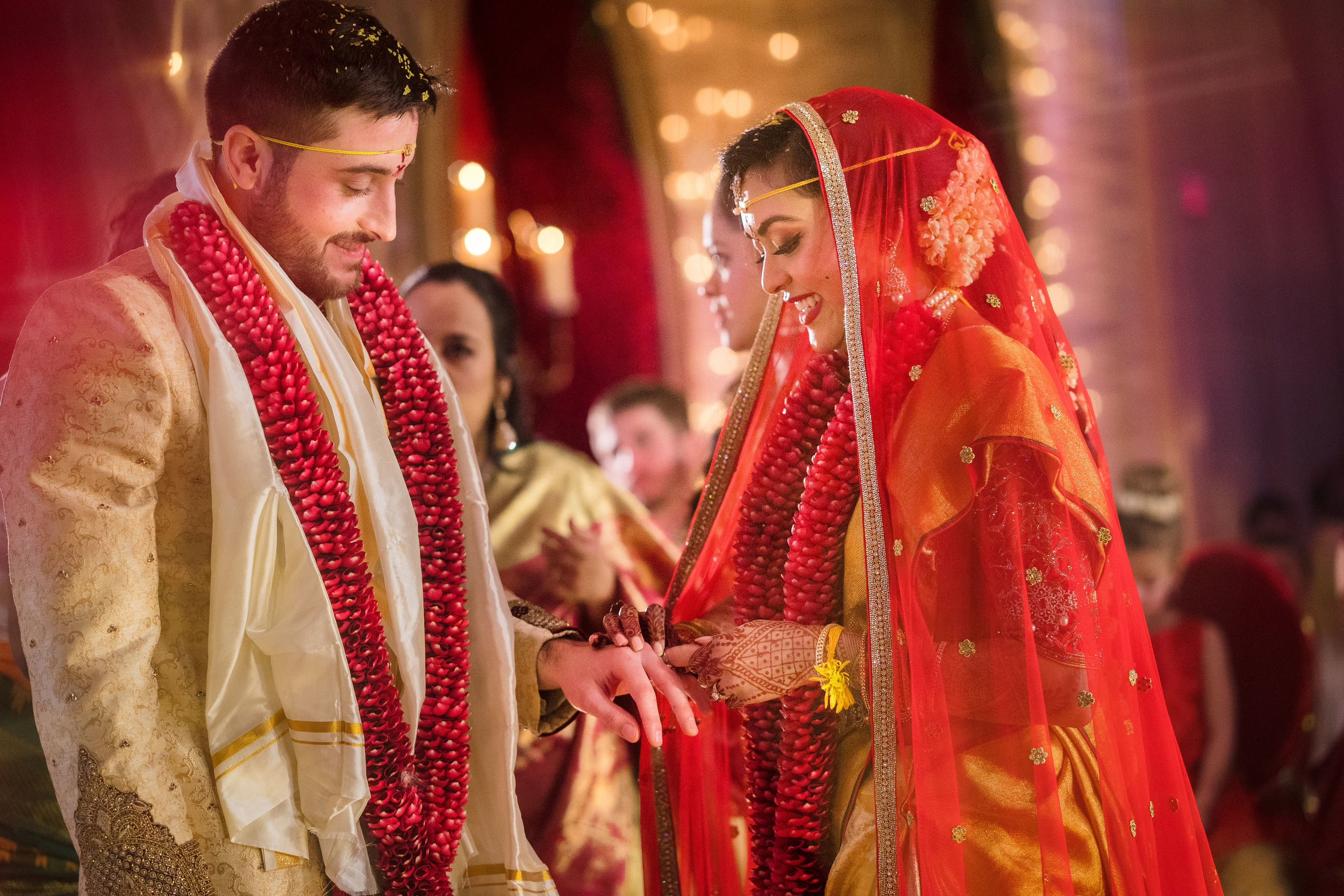 INDIAN WEDDING BRIDE AND GROOM CEREMONY EXCHANGE.JPG