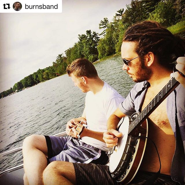 Elbo Room tonight! SURPRISE SHOW! Duo magic!!!! Repost @burnsband with @get_repost ・・・ Come out tonight to @elboroomlive to see @dbeirne and I play a few @distantbrothersmusic with @stanleyandthebaskets @themarcatos and #heyheythinkthink