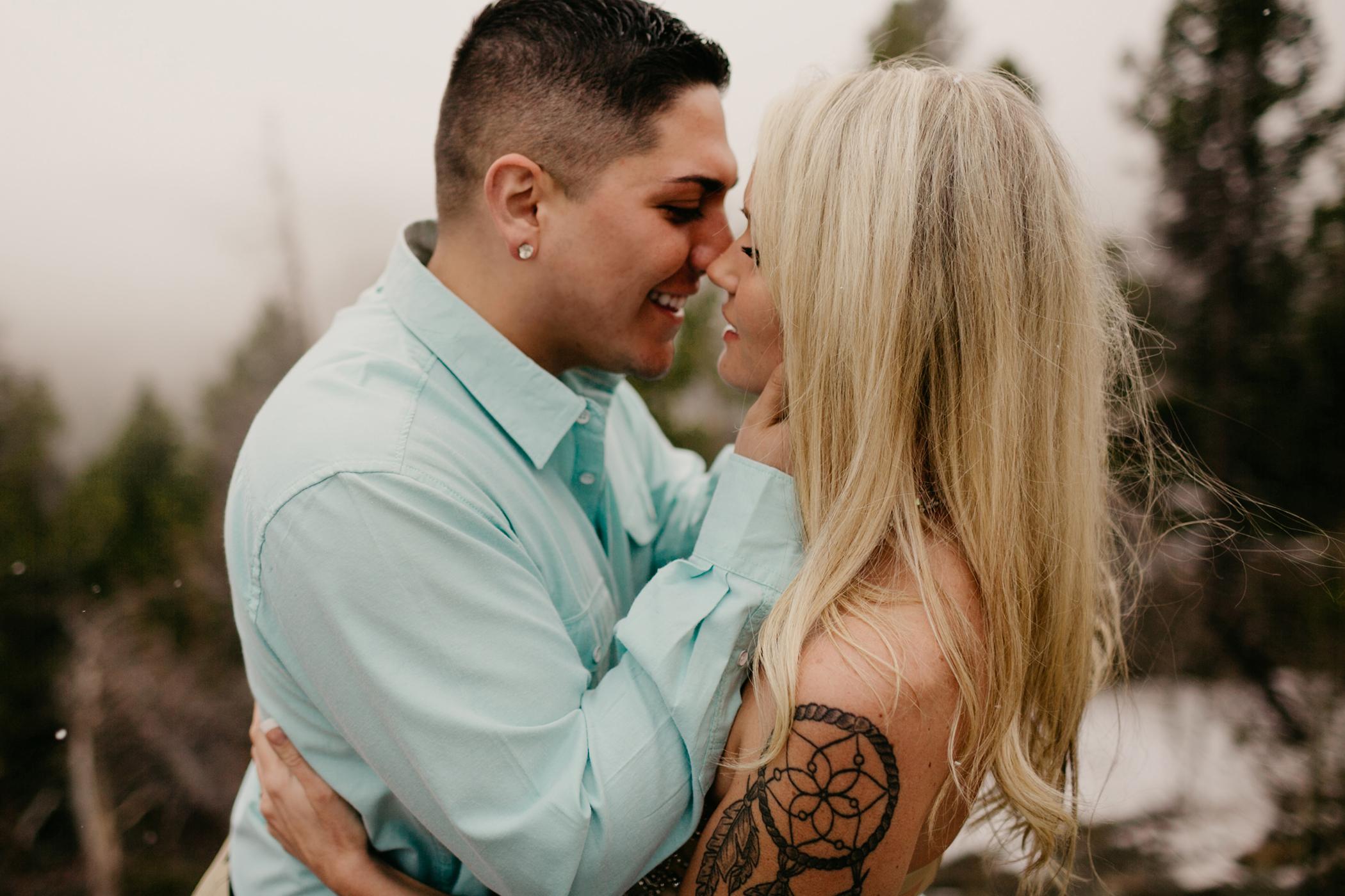 liz osban photography cheyenne wyoming colorado rocky mountain national park estes park engagement wedding love
