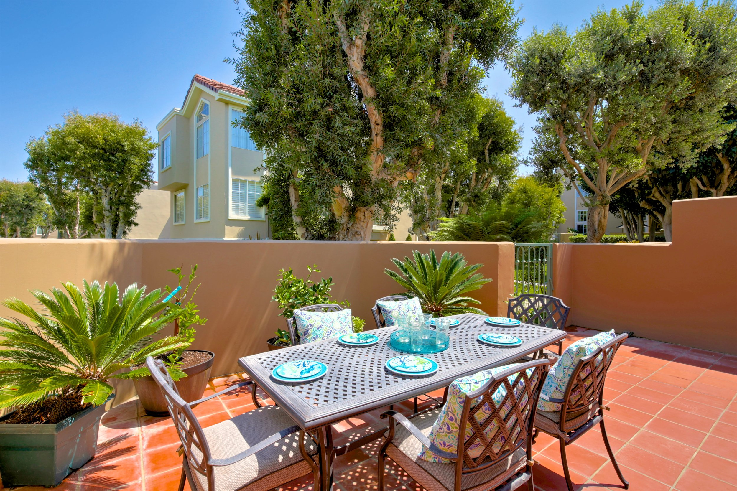 - Prestigious SeaCliff on the GreensSOLD by Maria X for $847,00019346 Peachtree Ln, Huntington Beach3 Bedrooms, 2.5 Baths, 2065 sq ft