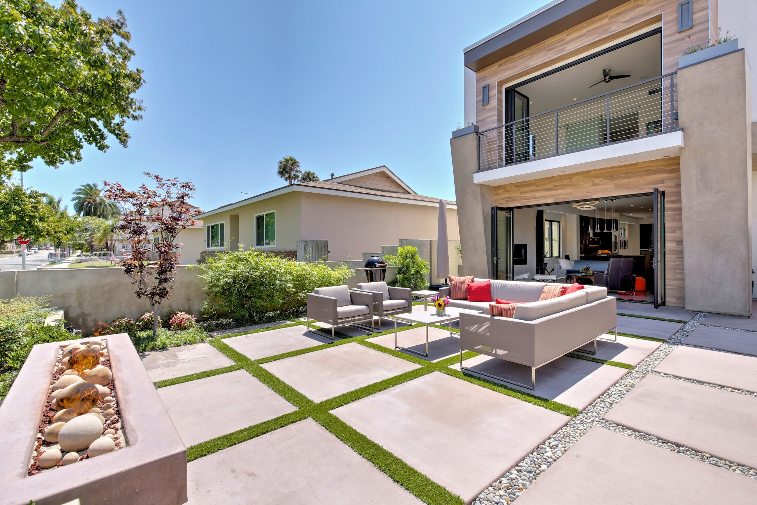Modern Masterpiece - SOLD BY MARIA X for $1,630,0001109 California St. Huntington Beach