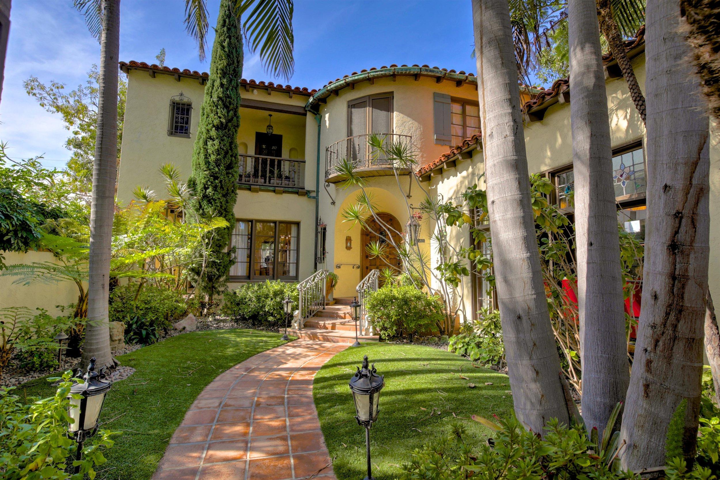 243 Euclid Ave Long Beach CA-print-001-37-243Euclid 001-4200x2799-300dpi.jpg