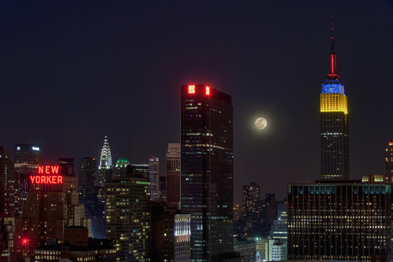 moon over manhattan.jpg