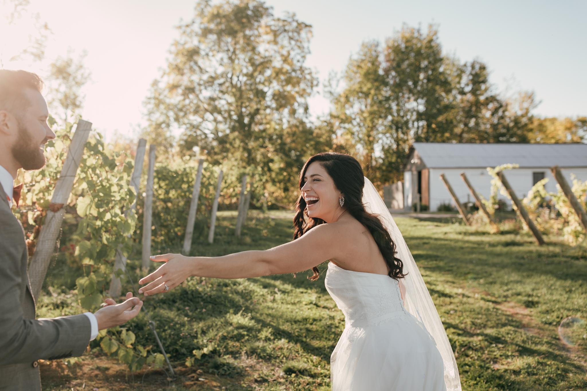 Heather-Nash-Photography-Aurora-Cellars-Wedding-Leelanau-Peninsula-Michigan_0146.jpg