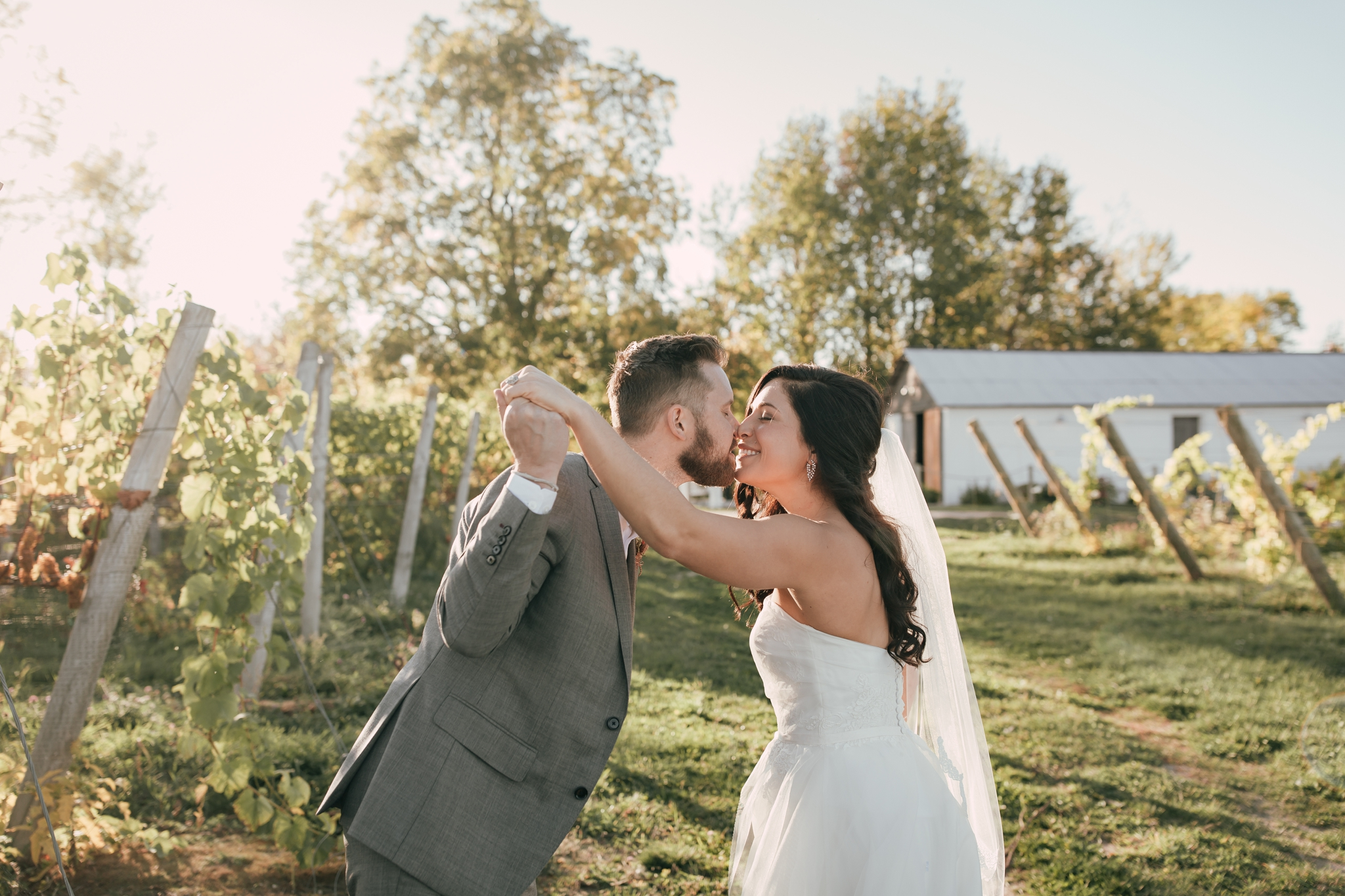 Heather-Nash-Photography-Aurora-Cellars-Wedding-Leelanau-Peninsula-Michigan_0147.jpg