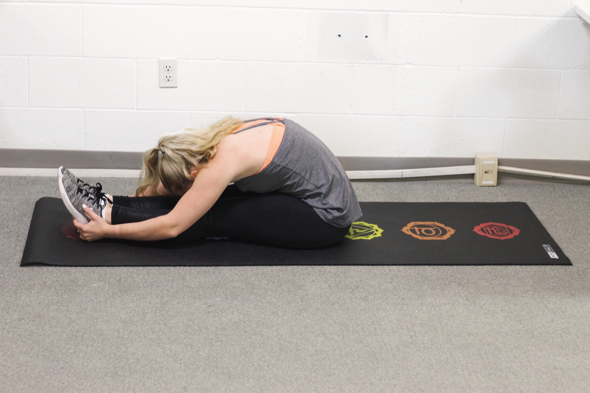 Seated pike position