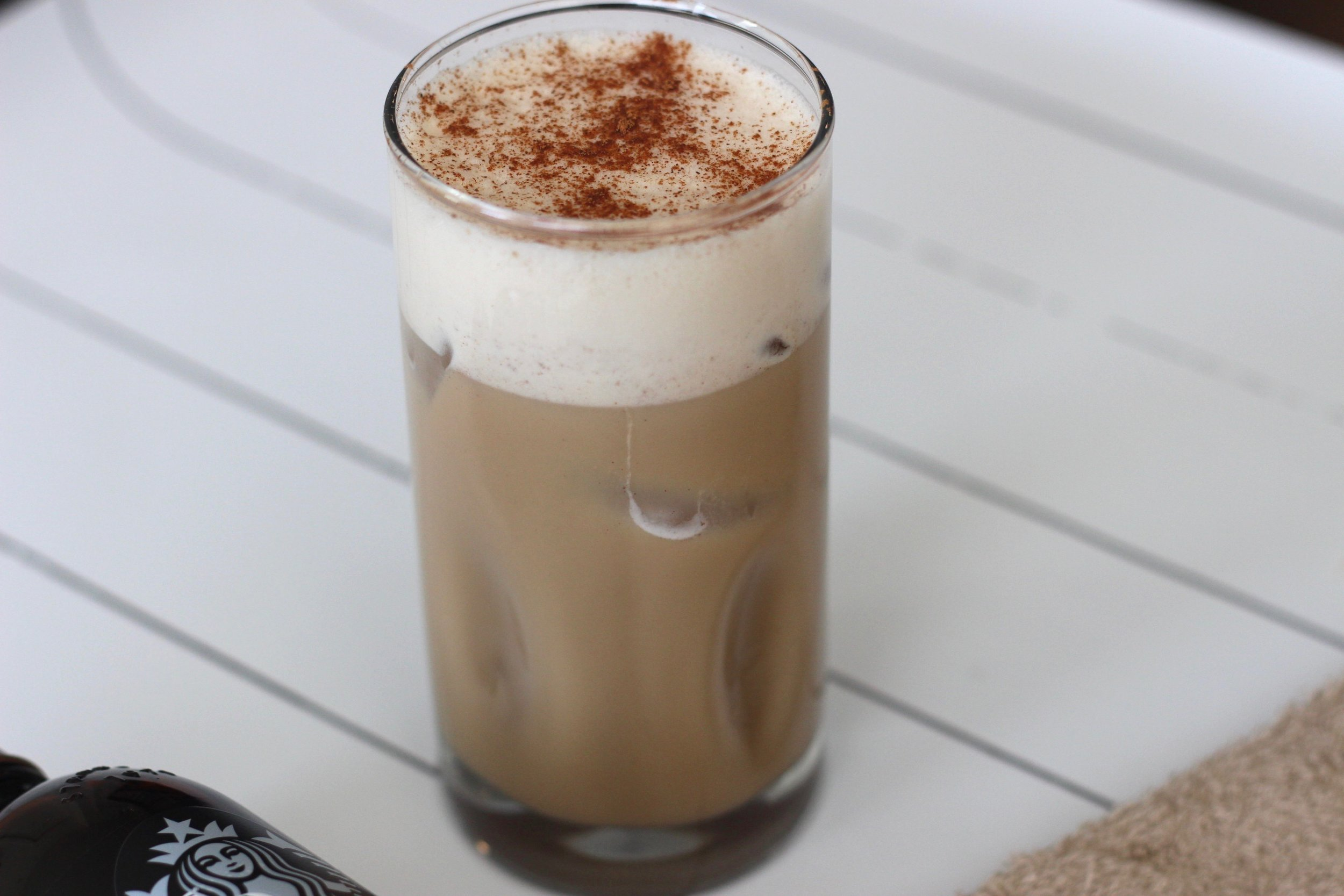 Healthy pumpkin spice latte recipe by Au Courant Life