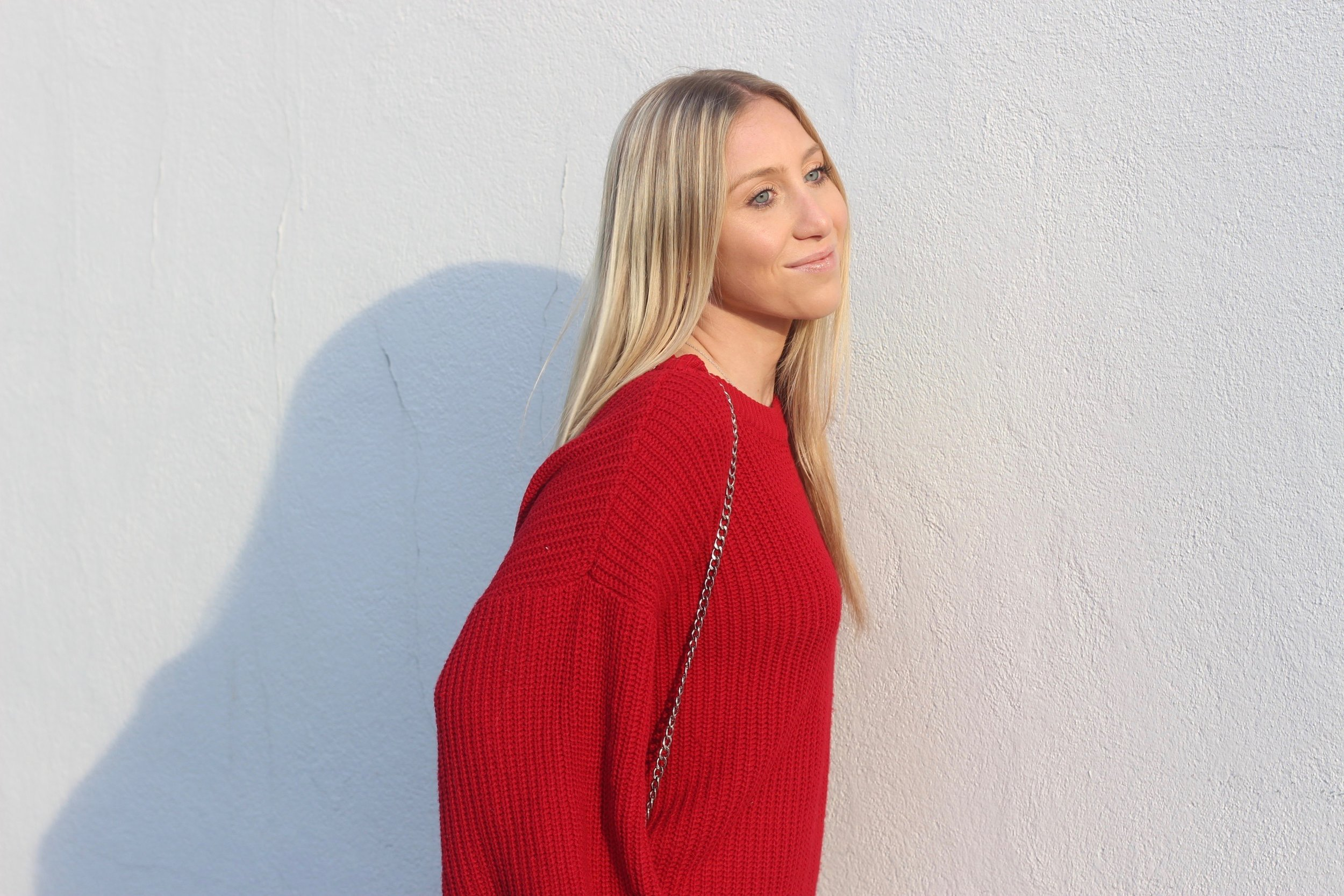 Carly of Au Courant Life in Forever 21 red sweater and Topshop bag