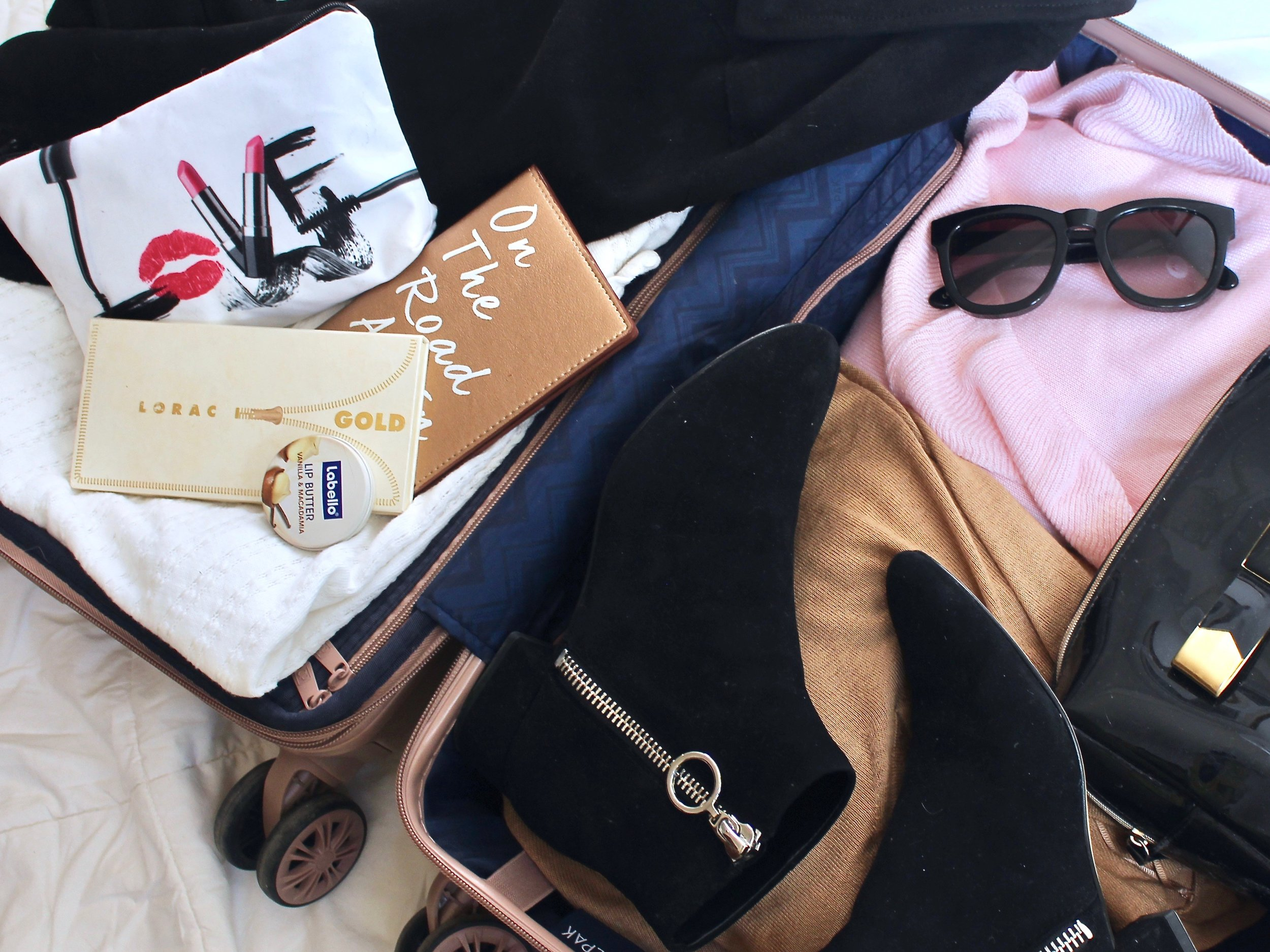 What to pack in your carry on by Au Courant Life