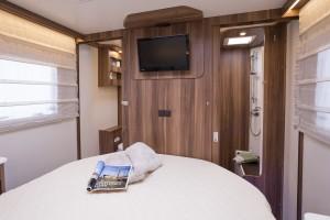 T-line 740_bedroom.jpg