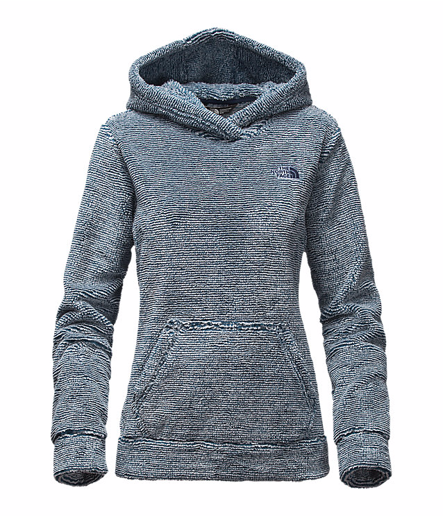 Pull on this ultra-soft, low-maintenance hooded layer for lightweight, comfortable warmth on cool days.