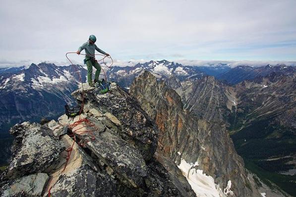 eginoire-climbing-pine-needle-mountaineering.png
