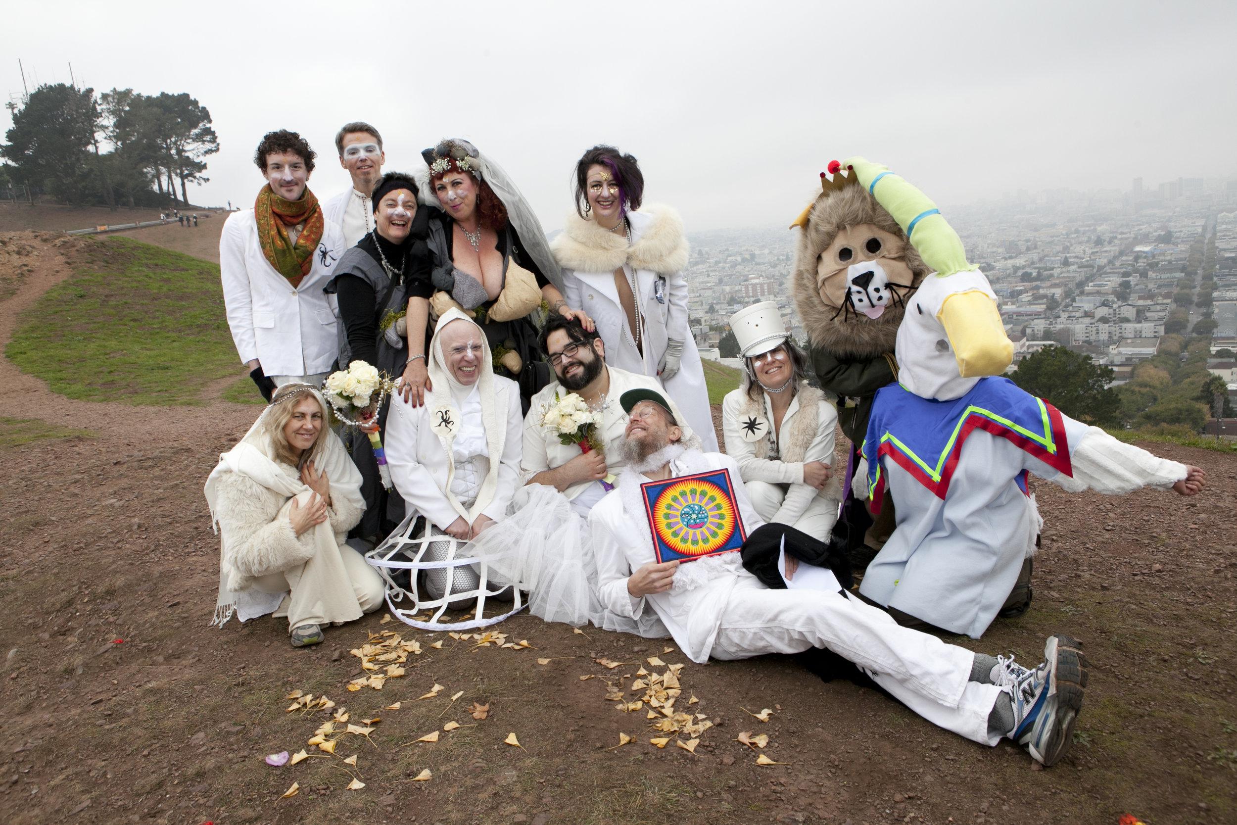 Photo by Liz Highleyman • The White Wedding to the Sun