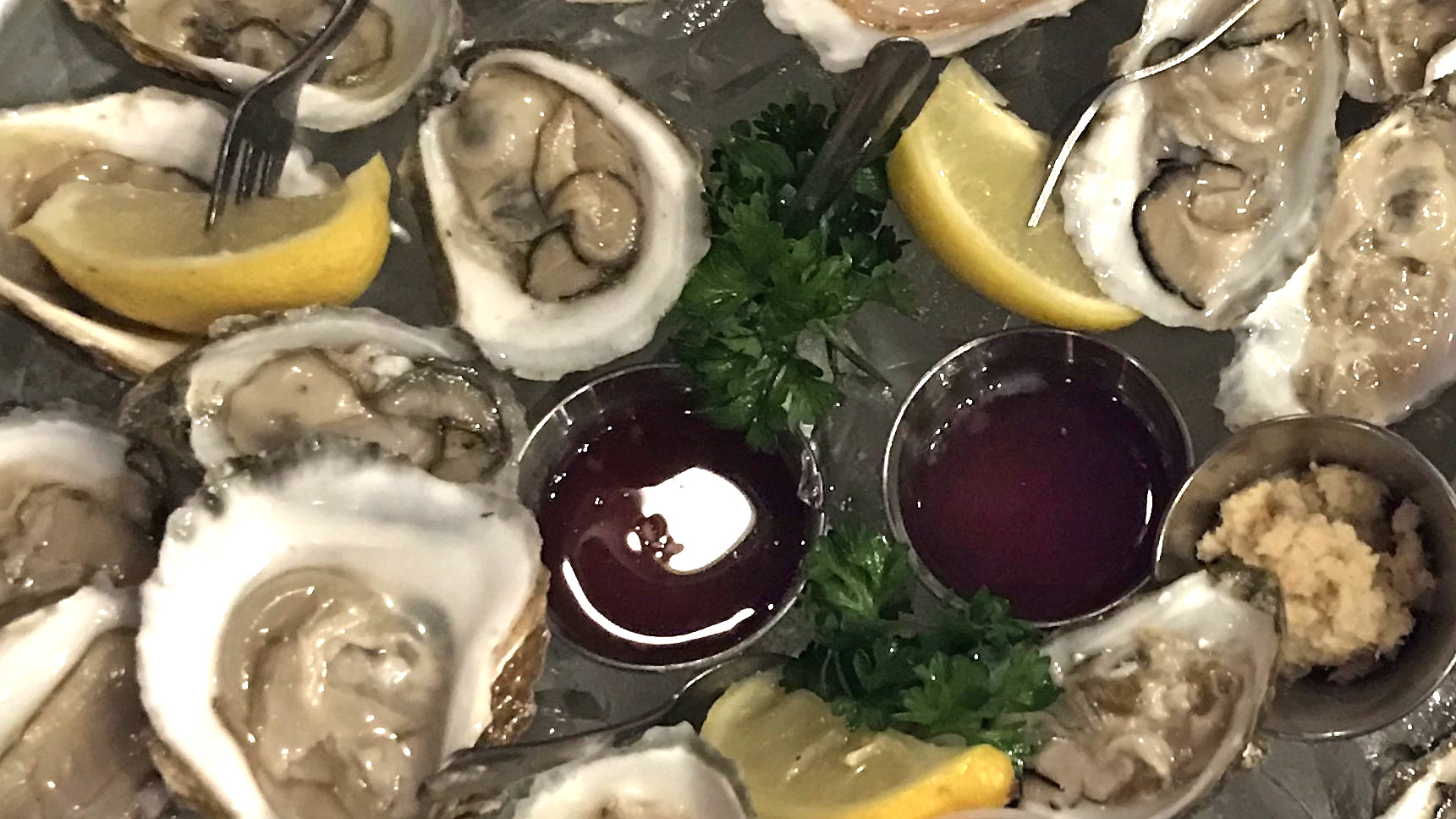 BoatHouseGrilleEssexMAOysters.jpg