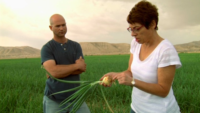 Scientist Ellen Graber of the Volcani Center with biochar agriculturist Nadav Ziv. From the film  Solutions from the Land