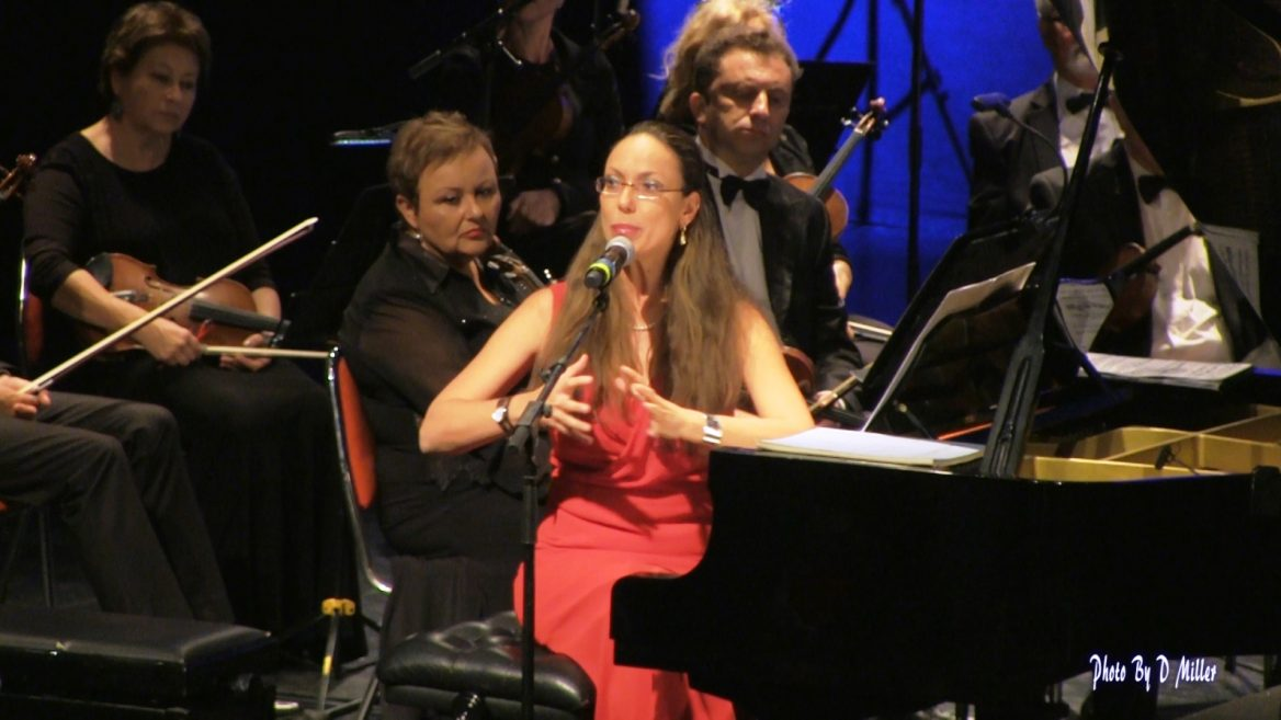 Orit Wolf performing in Ashdod. Photo by D. Miller
