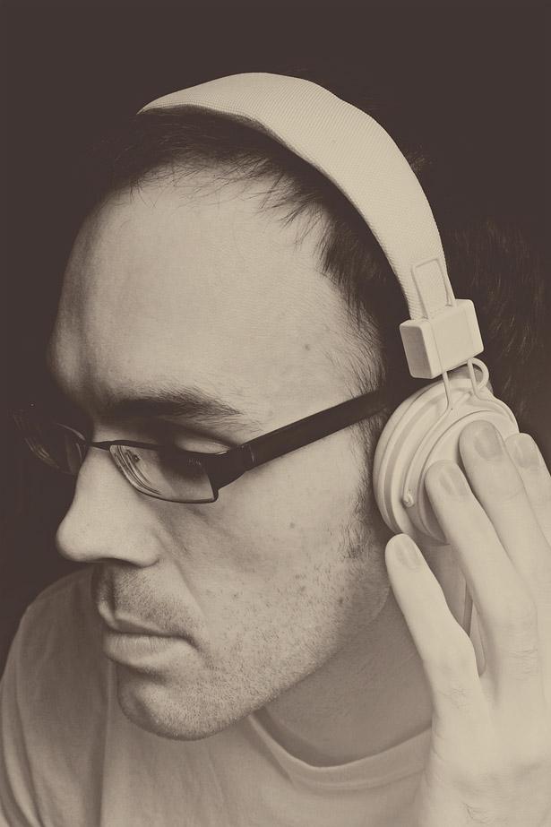 david_headphones_WEB_02.jpg