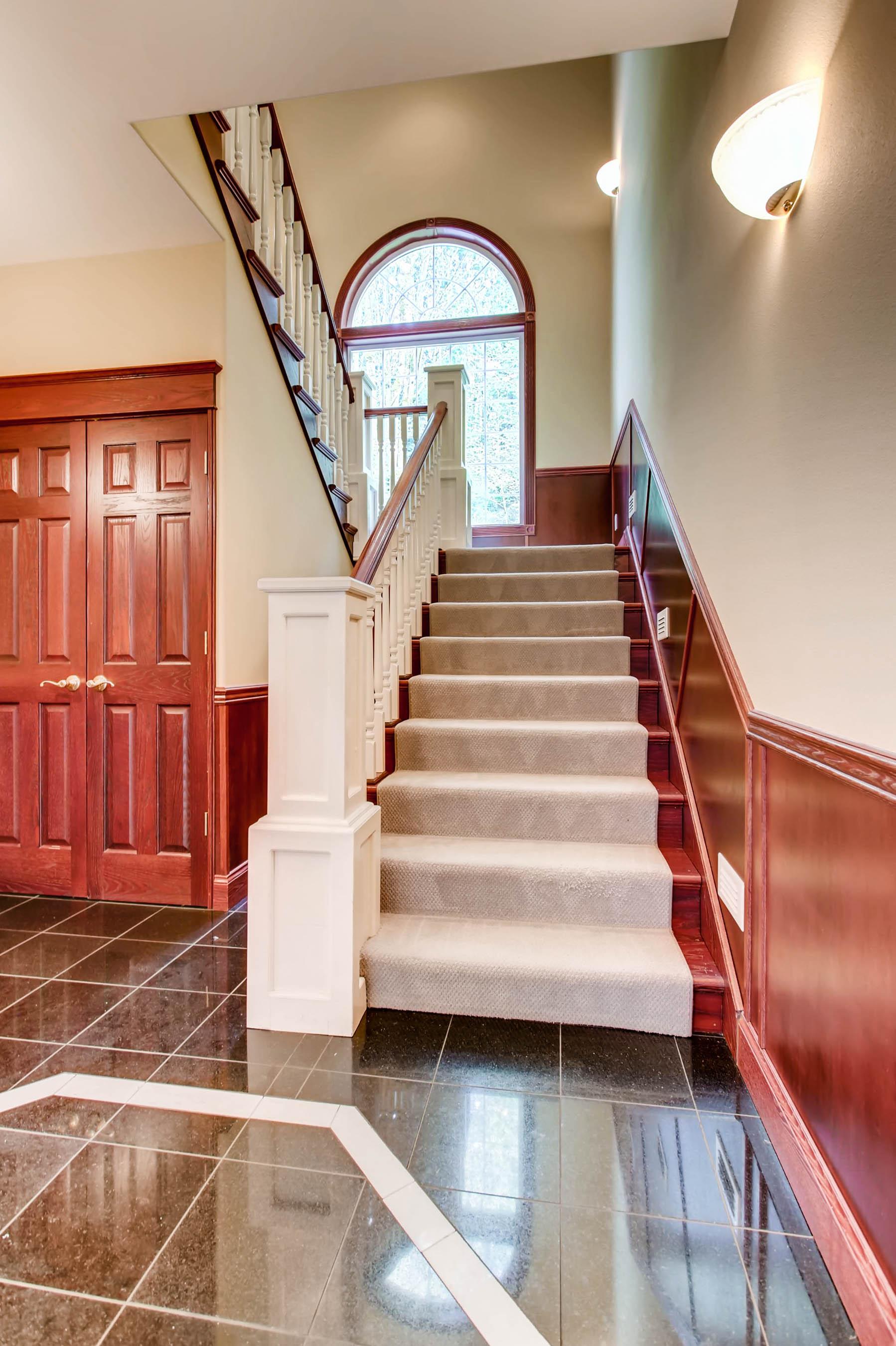 22135 Se 134th St Issaquah WA-print-021-6-Stairway-1798x2700-300dpi.jpg