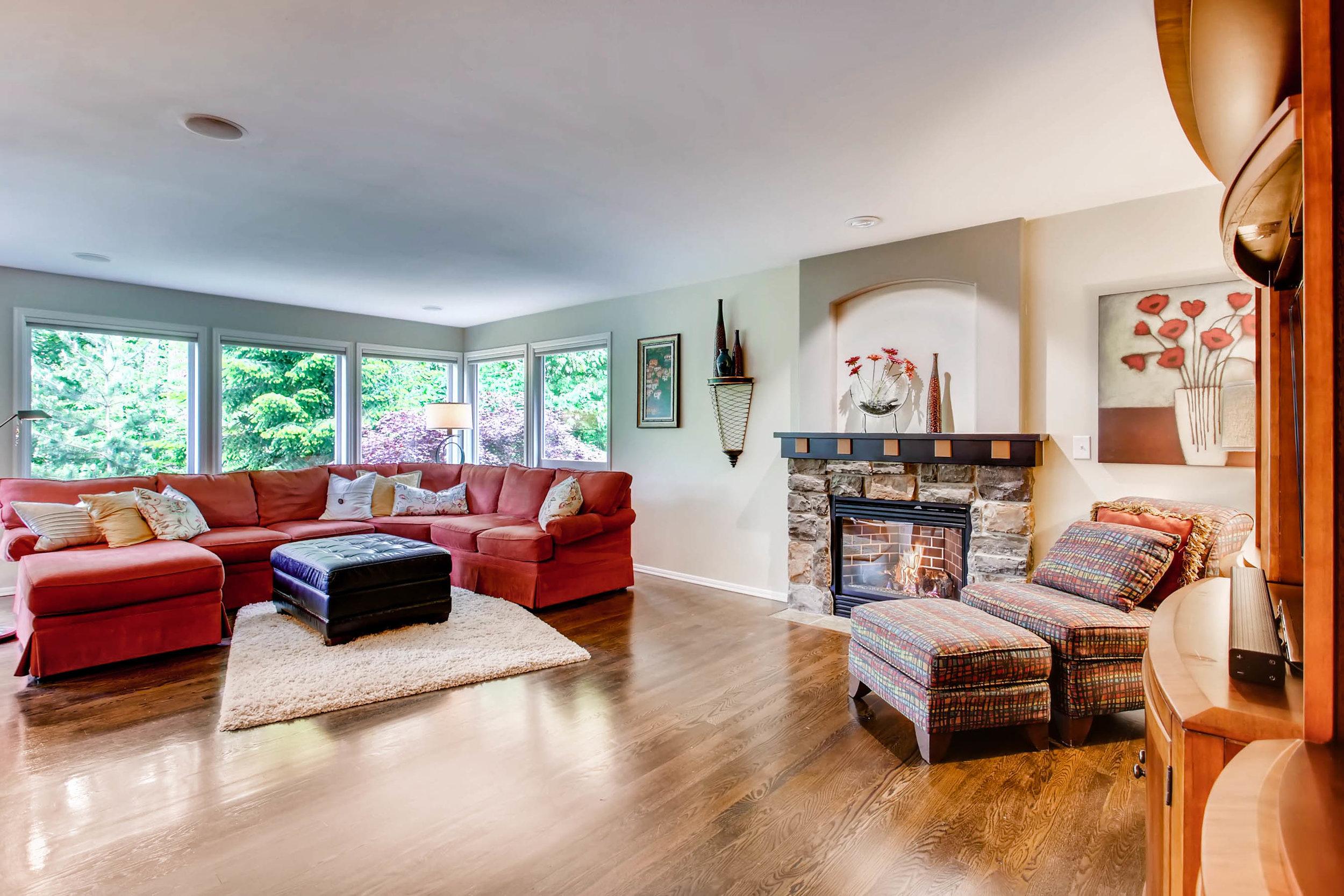 12021 Club House Lane Mukilteo-print-014-11-Family Room-2700x1800-300dpi.jpg
