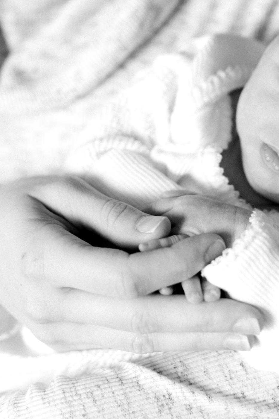 four corners photography twin newborn photographer newborn twins atlanta newborn photographer (2 of 4).jpg