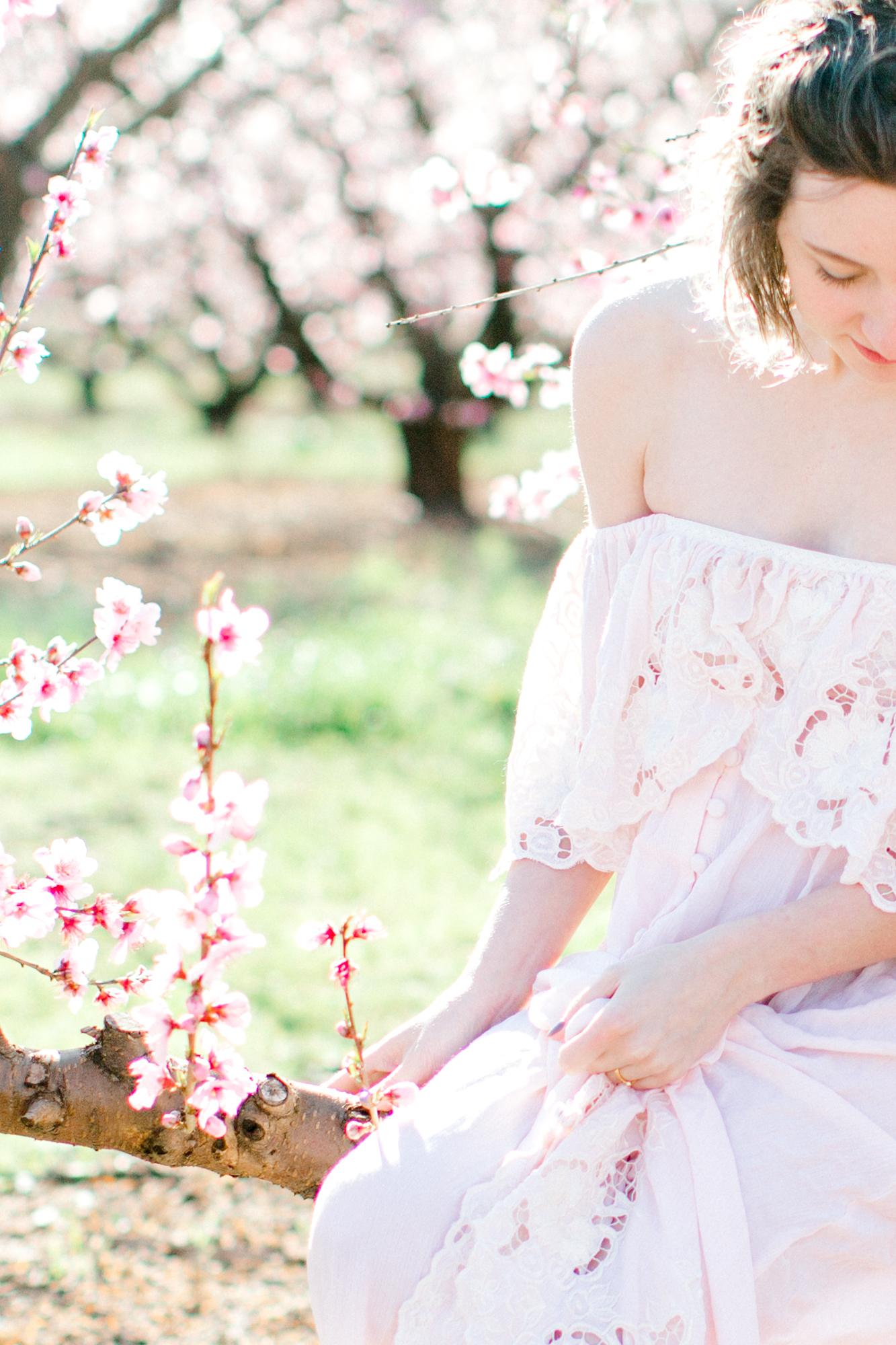 four corners photography peach blossom mini sessions peach blossom maternity session (16 of 25).jpg