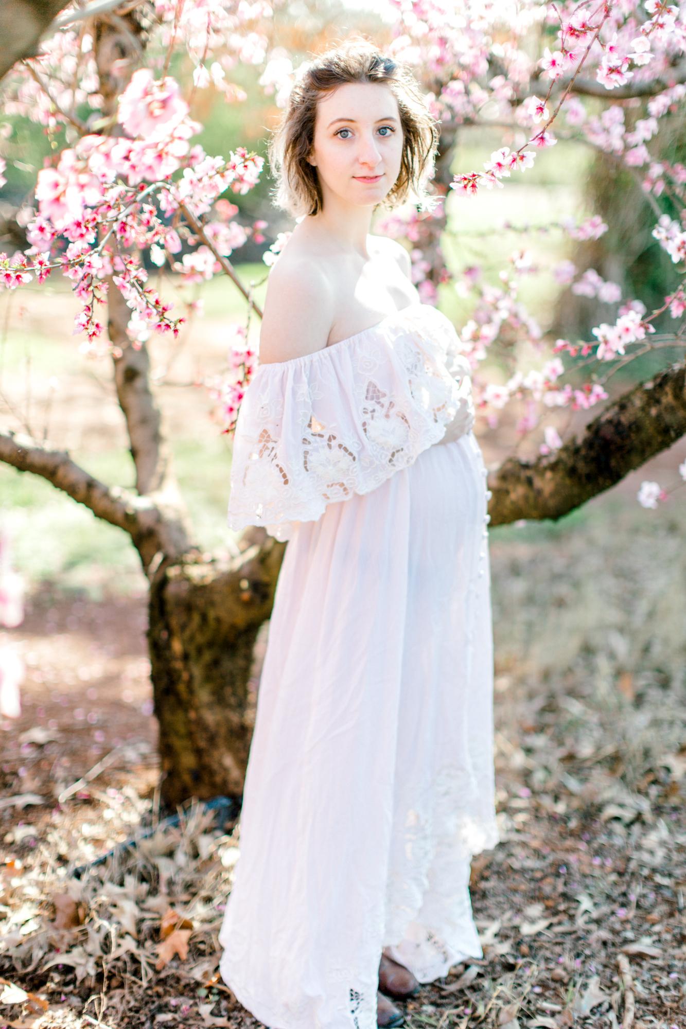 four corners photography peach blossom mini sessions peach blossom maternity session (21 of 25).jpg