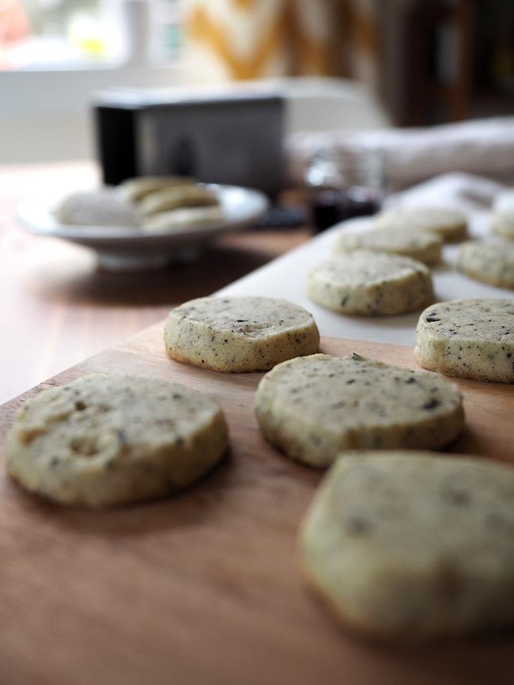 Earl Grey Cardamom Cookies with Lord Bergamot tea by Smith Teamaker - Beginning with Bergamot