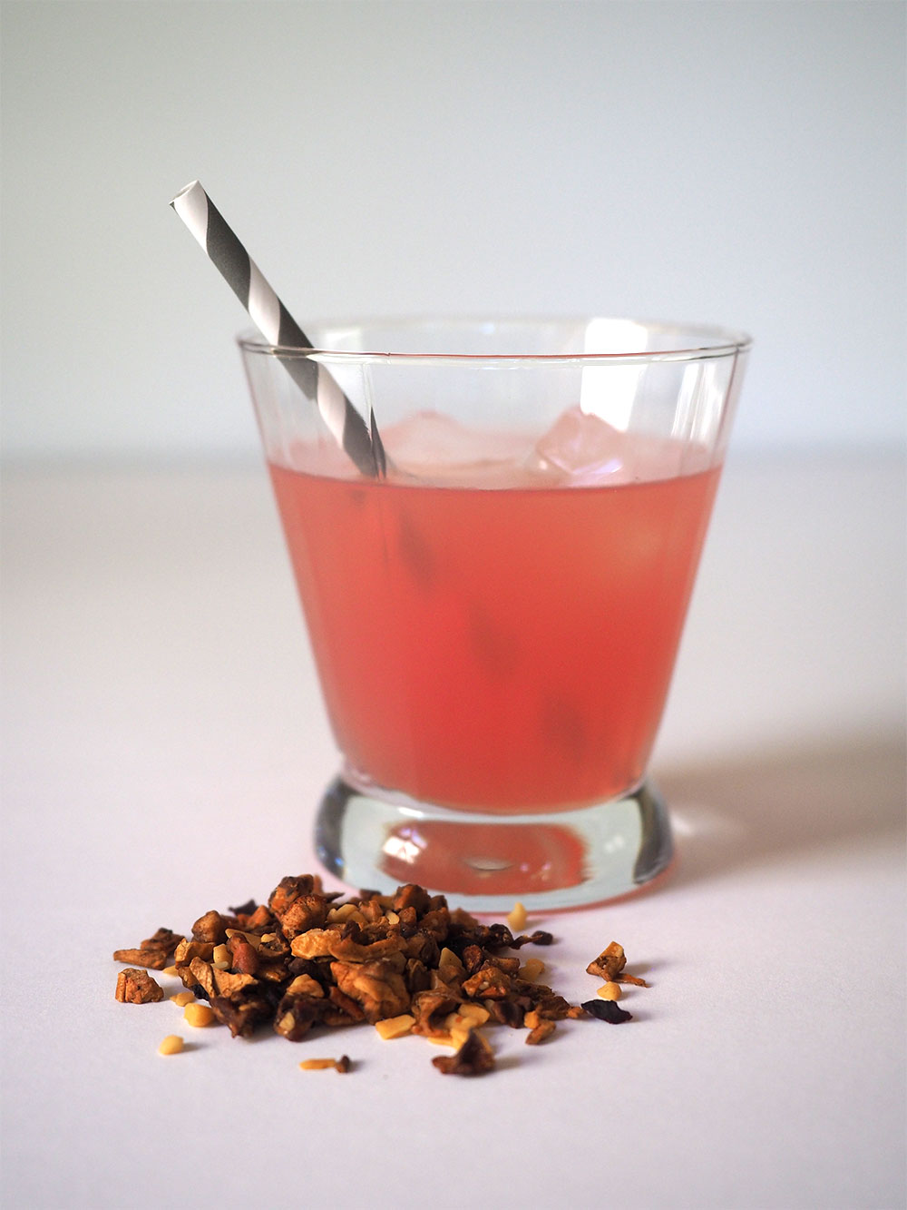 Roasted Almond Tea Review, Teahaus - Beginning with Bergamot