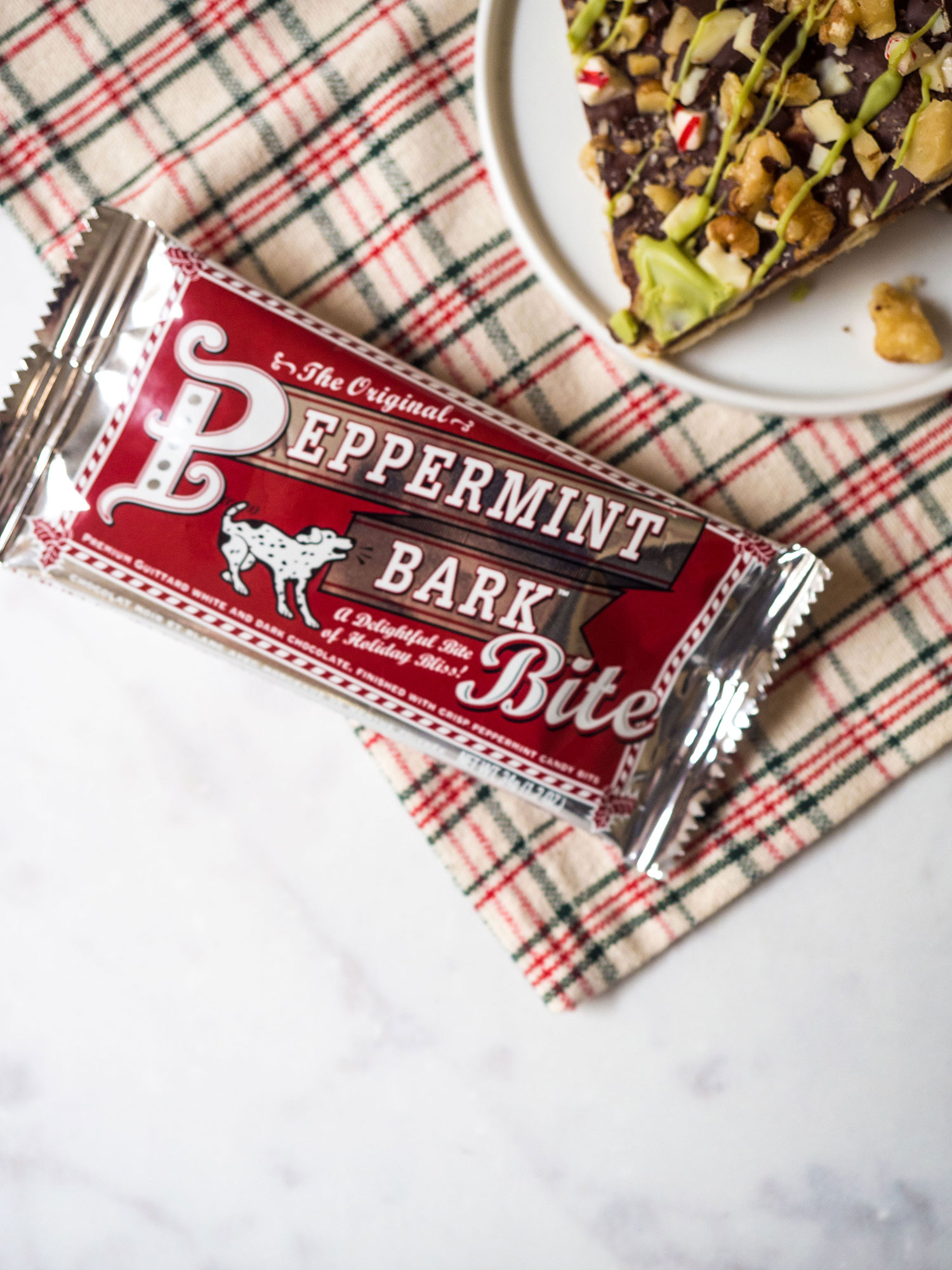 This Christmas toffee has all the holiday magic! Crispy saltines, rich toffee and chocolate, peppermint and white chocolate matcha drizzles. It will become an instant family favorite.