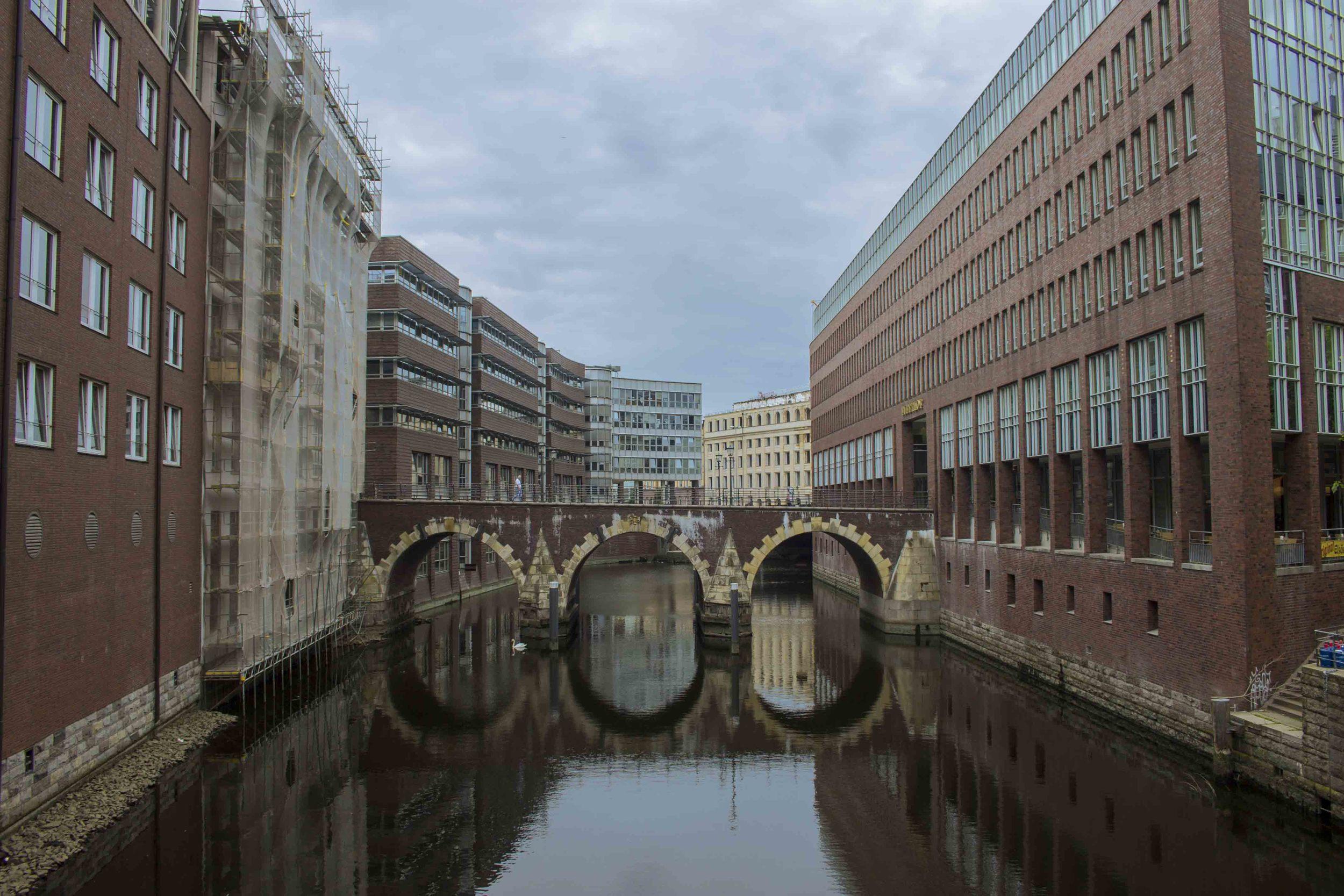 Hamburg Canal.jpg