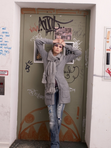 FP-211/214/215 Merino/cashmere cardigan, scarf,