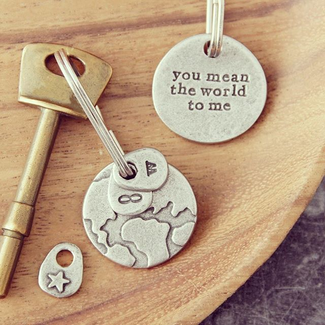 Who's your world?...... It's the little things that mean the most 💕#giftit #unique . . . . #youmeantheworldtome #iloveyou #love #always #littlethings #showyoucare #makesomeonesmile #keyrings #personalised #handcrafted #madewithlove #stmperth #icwest #perthgirlboss #perthsmallbusiness #perthgifts #perthshopping #perthcreatives #perthcreates #supportlocalperth #urbanlisted #perthhappenings #girlboss #mumboss #westernaustralia