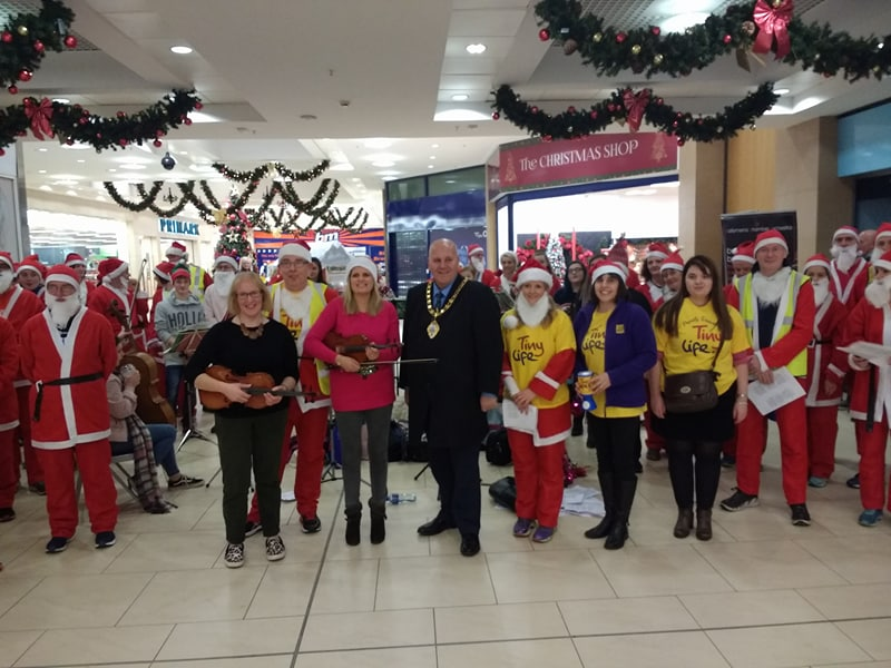 Ballymena Runners ably assisted by the Ballymena Chamber Orchestra and Mayor Paul Reid.jpg