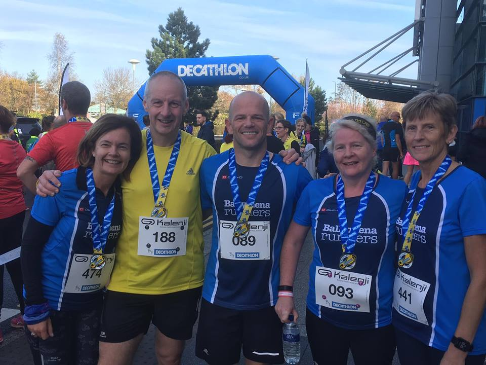 Roisin Watterson, Tim Hawksworth, Chris Davies, Jennifer Dickson and Elizabeth Speedy after the Decathlon 10k