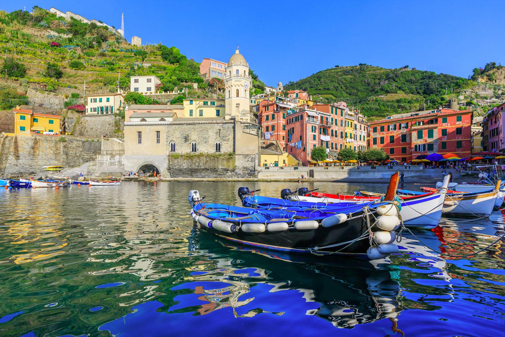 Riomaggiore boat tours