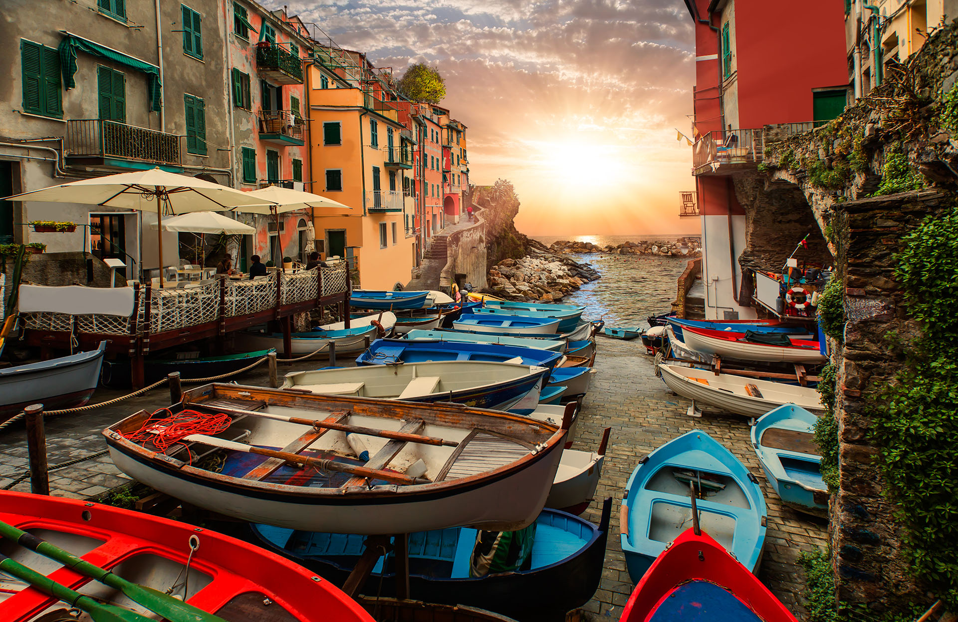 Sunset boat tours and trips in Cinque Terre
