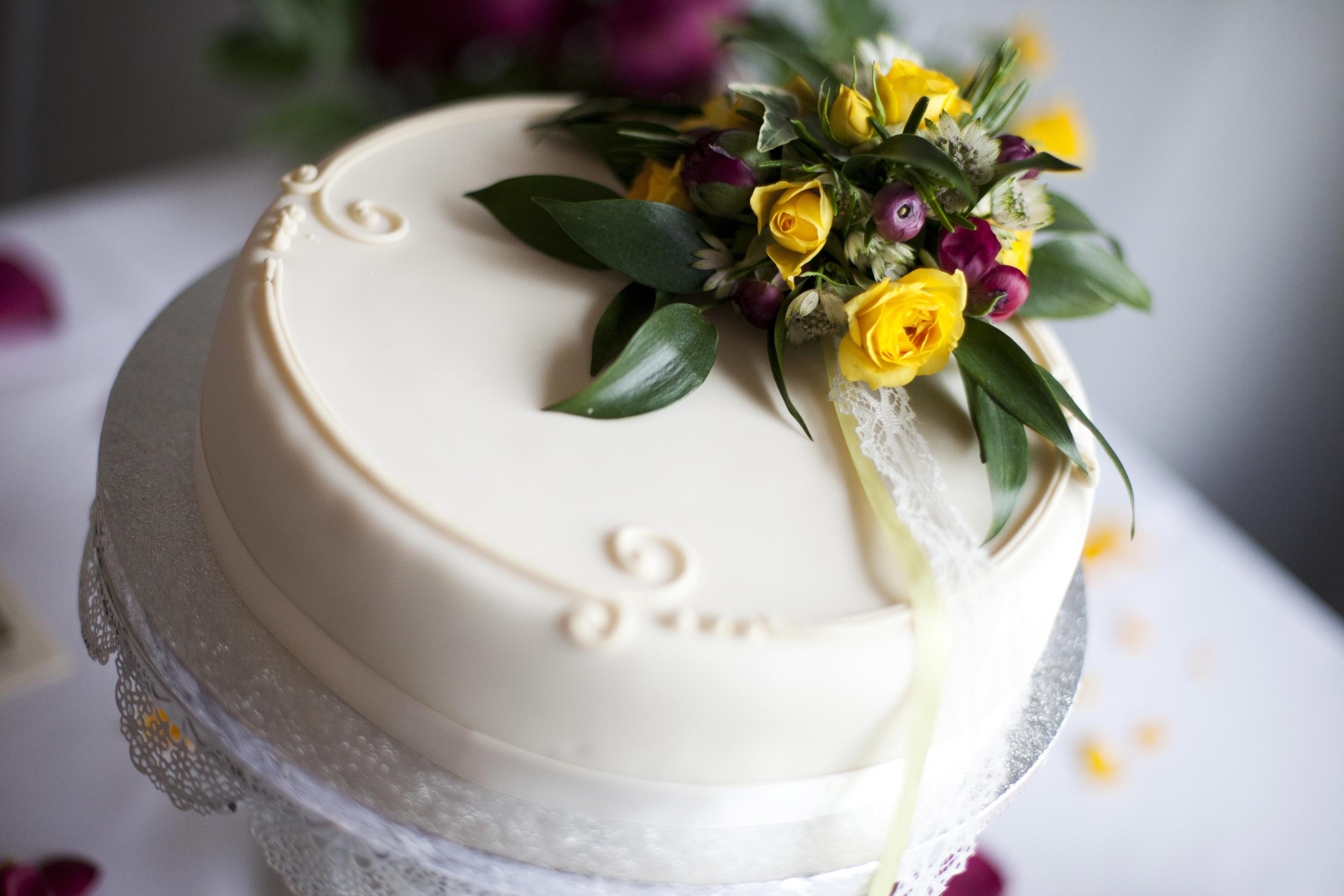Cake flowers P&C.jpg