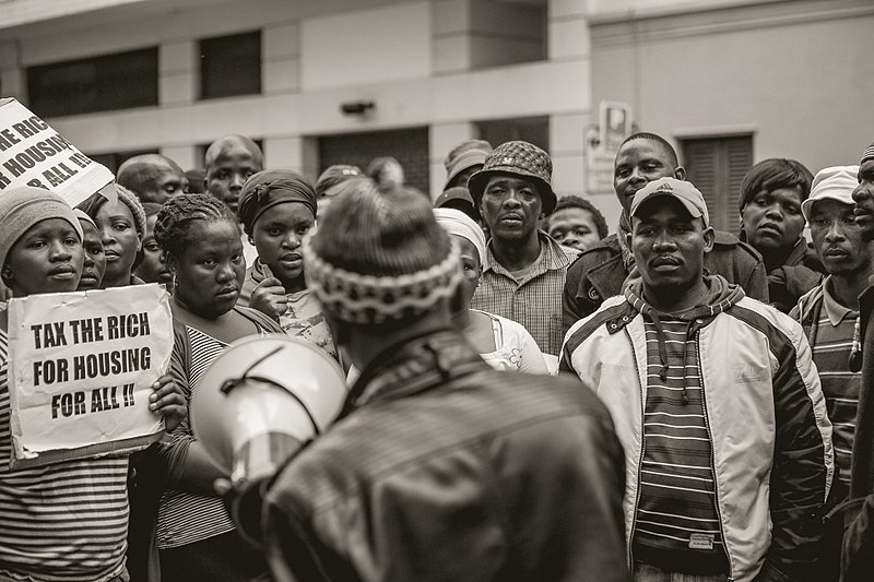 800px-Housing_Protest_-_Cape_Town_High_Court_-_2012_-_18.jpg