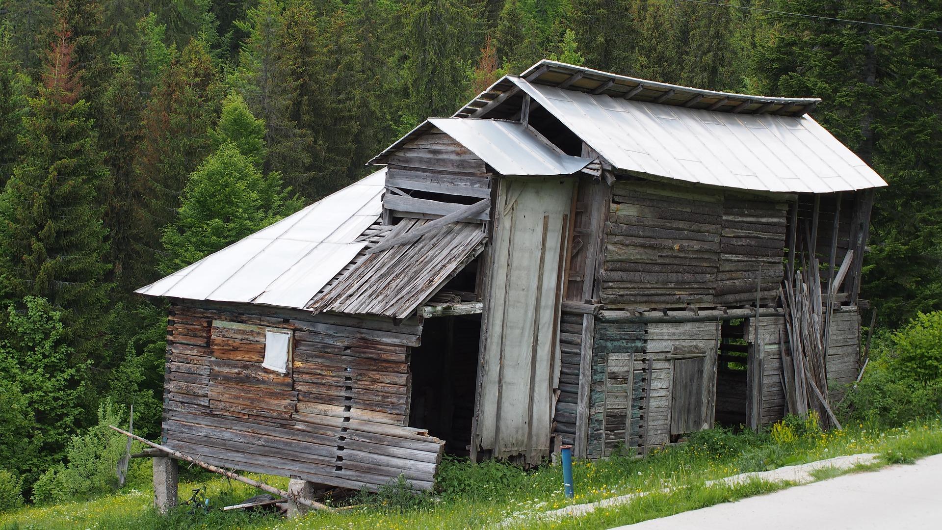 shack-2657936_1920.jpg