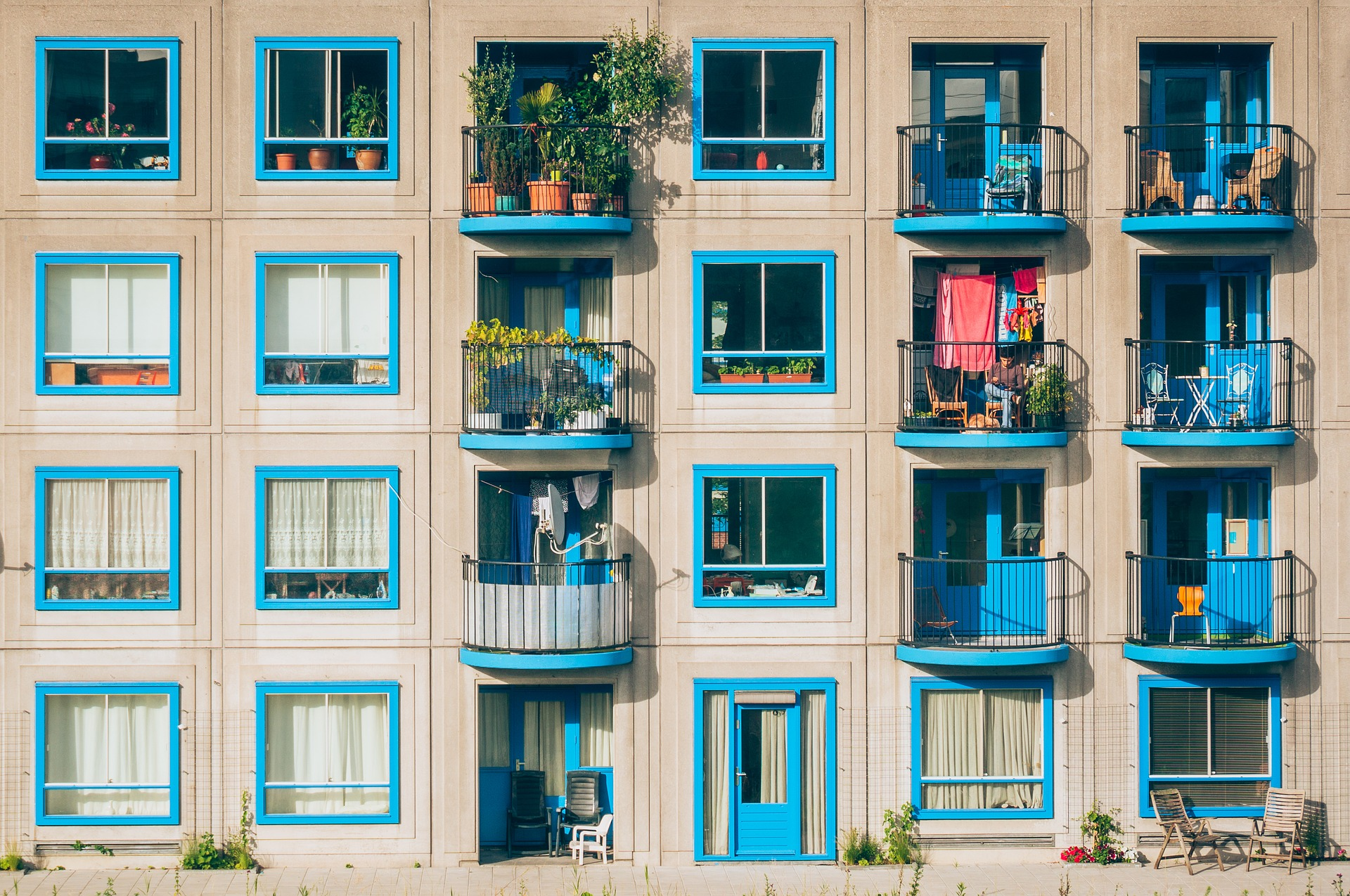 apartments-1845884_1920.jpg
