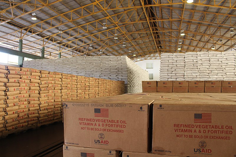 800px-Food_in_warehouse_in_Mutare_Zimbabwe_(36273607594).jpg