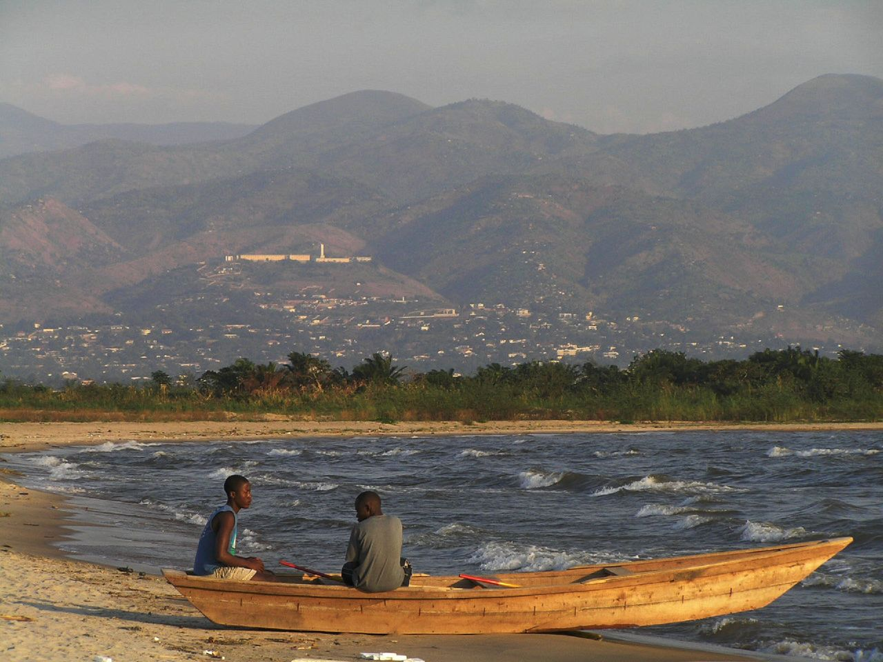 Burundi_-_Lake_Tanganyika_fisheries.jpg