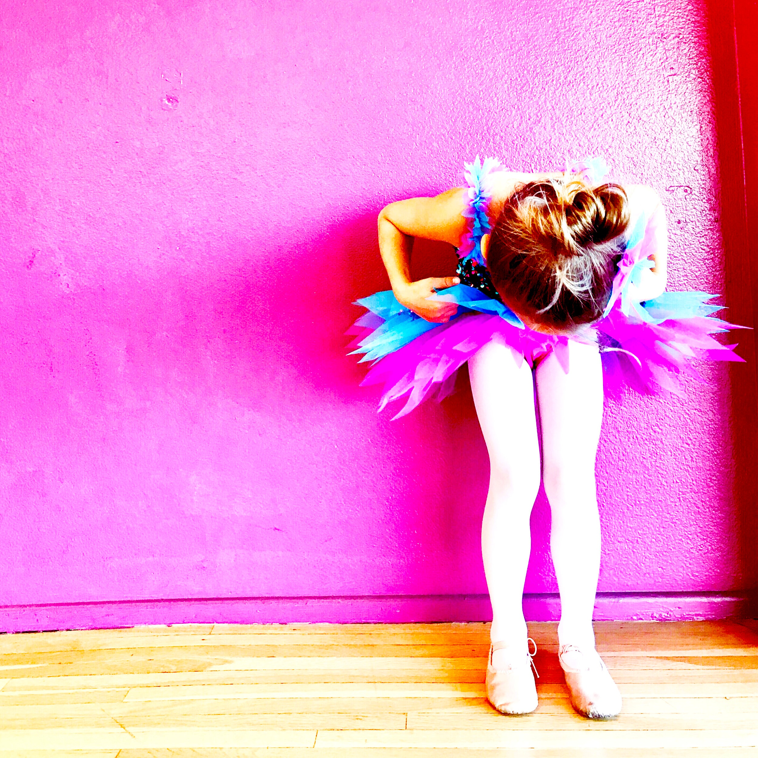 Mini Ballet/Jazz - June 10th - June 28thTuesdays 9:45 to 10:30am ORThursdays 6:00 to 6:45pmJuly 8th - July 26Tuesdays 9:45 to 10:30am ORThursdays 6:00 to 6:45pmThis combo class will cover an introduction to Ballet and Jazz. Dancers will be taken through warm ups, across the floor and barre exercises to music that is captivating as they learn new styles of dance.Price $41